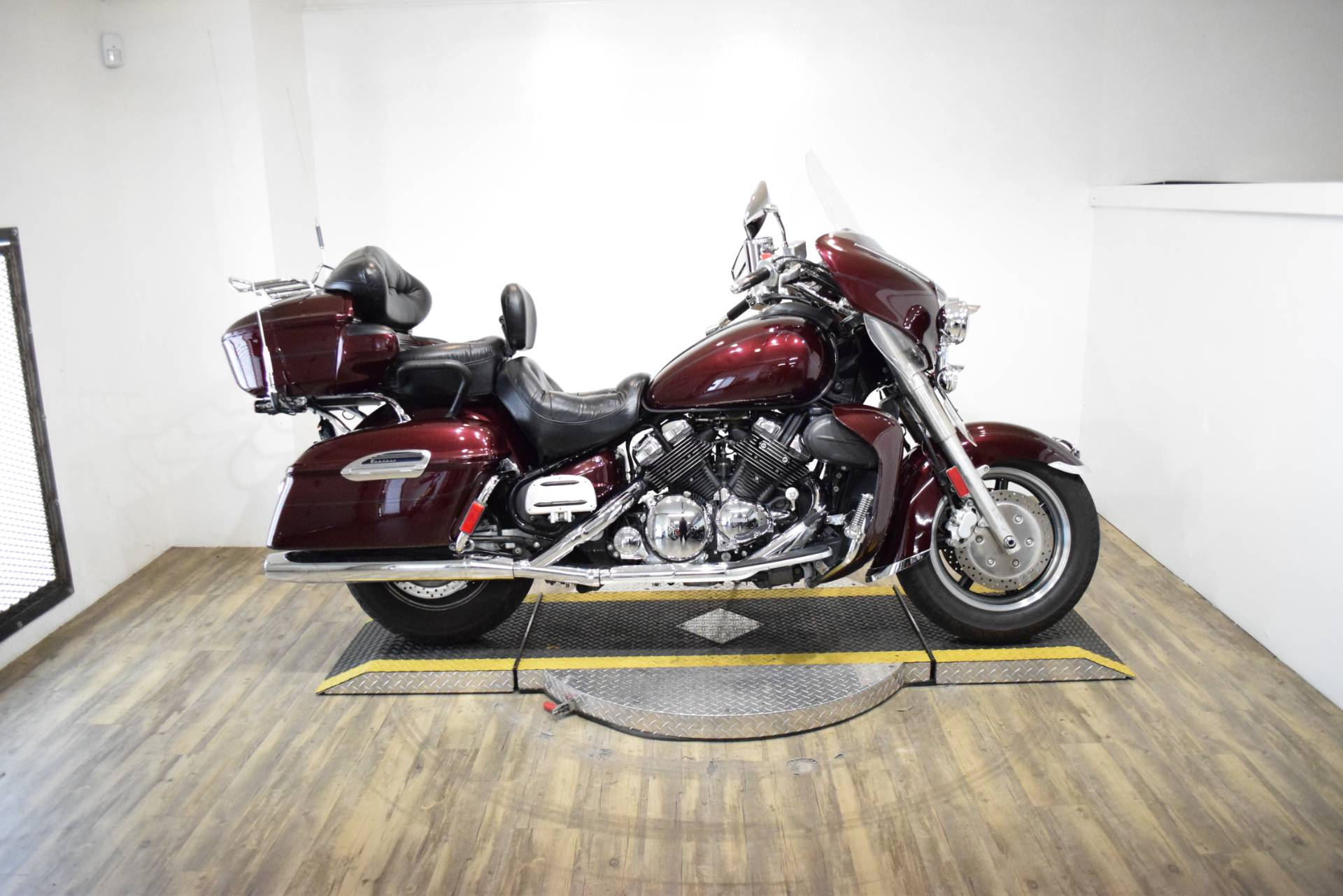 2006 Yamaha Royal Star® Venture in Wauconda, Illinois - Photo 1