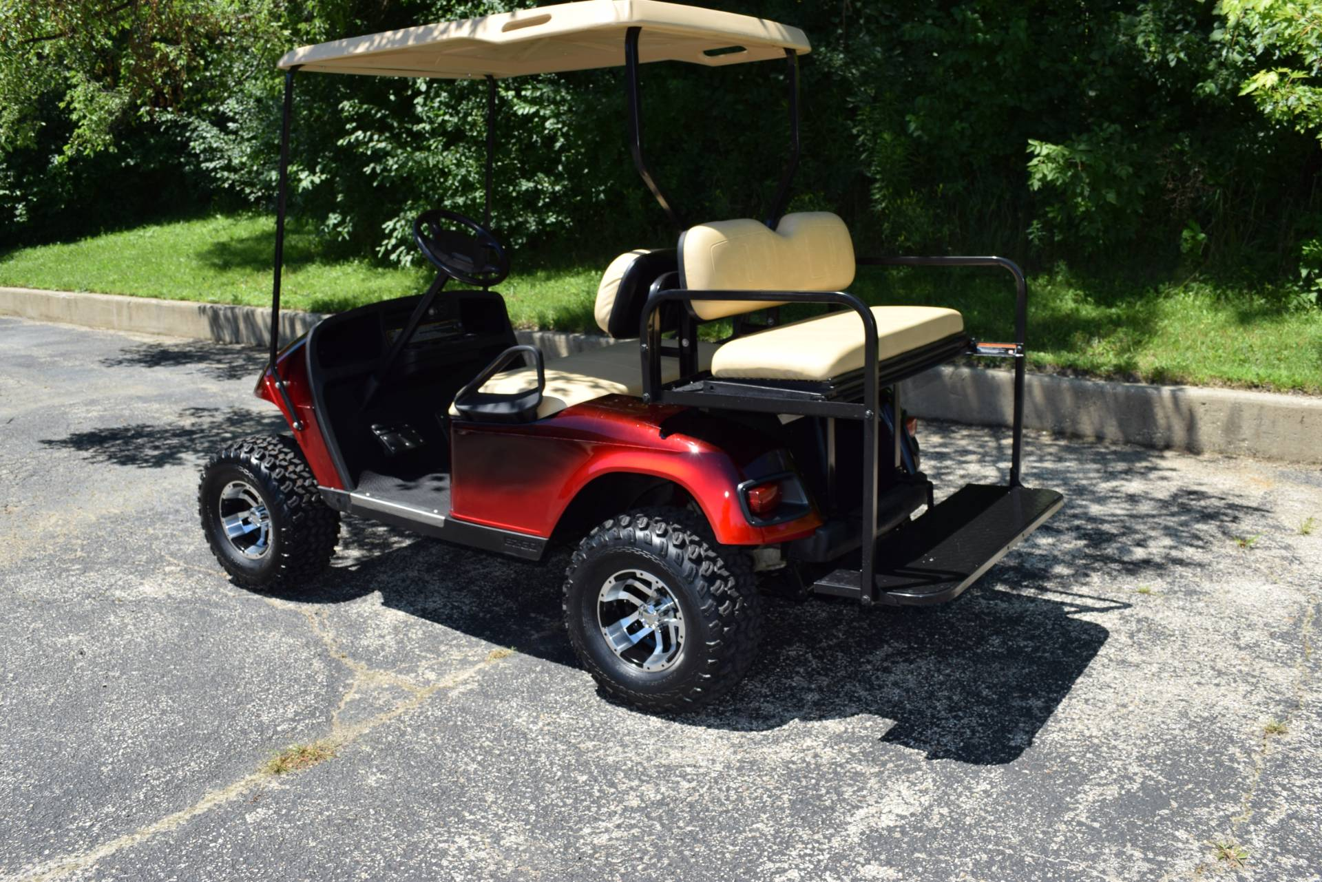 2010 E-Z-Go E-Z-Go Electric Golf Cart in Wauconda, Illinois