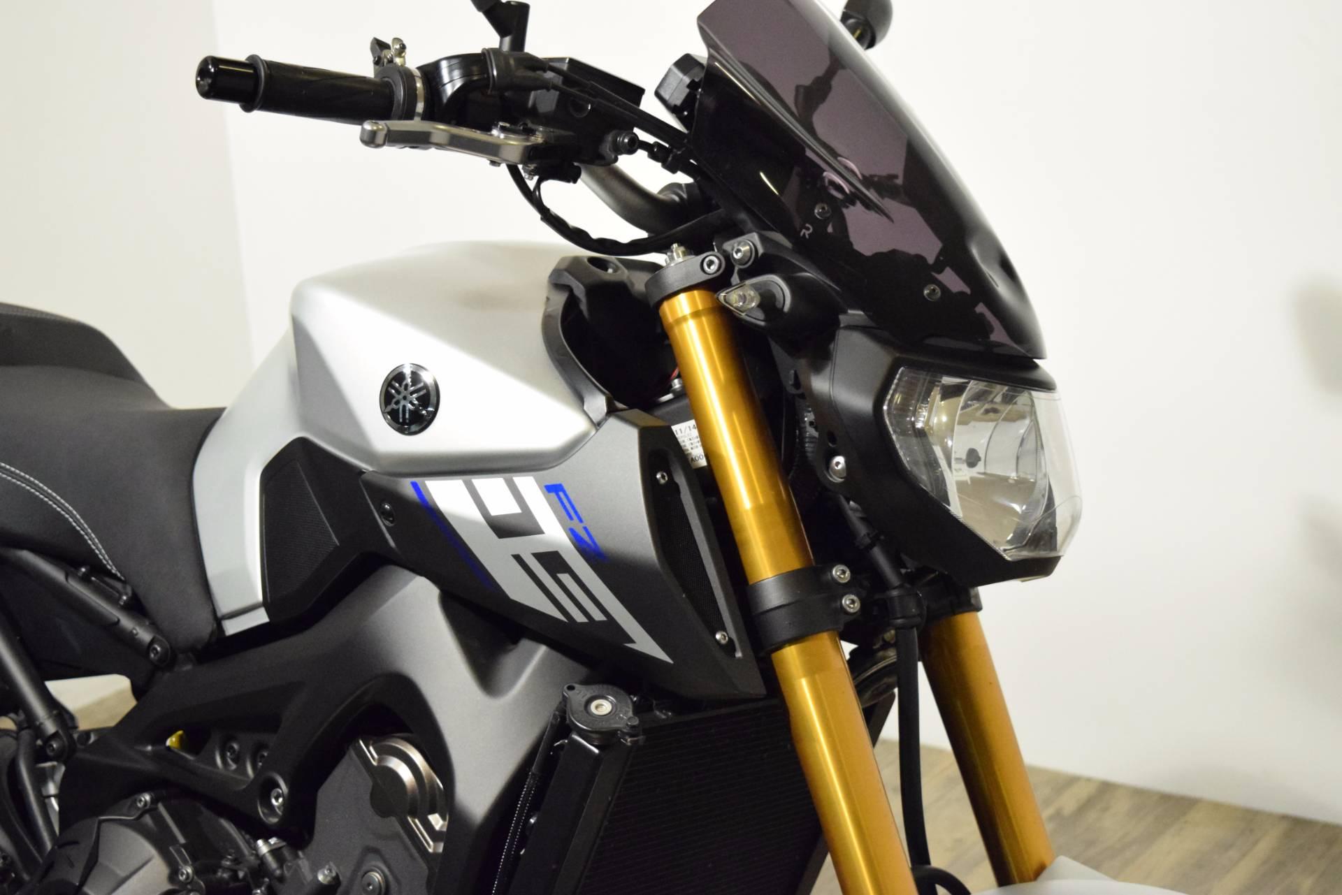 2015 Yamaha FZ-09 3