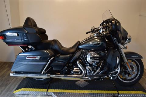 2015 Harley-Davidson Electra Glide® Ultra Classic® Low in Wauconda, Illinois