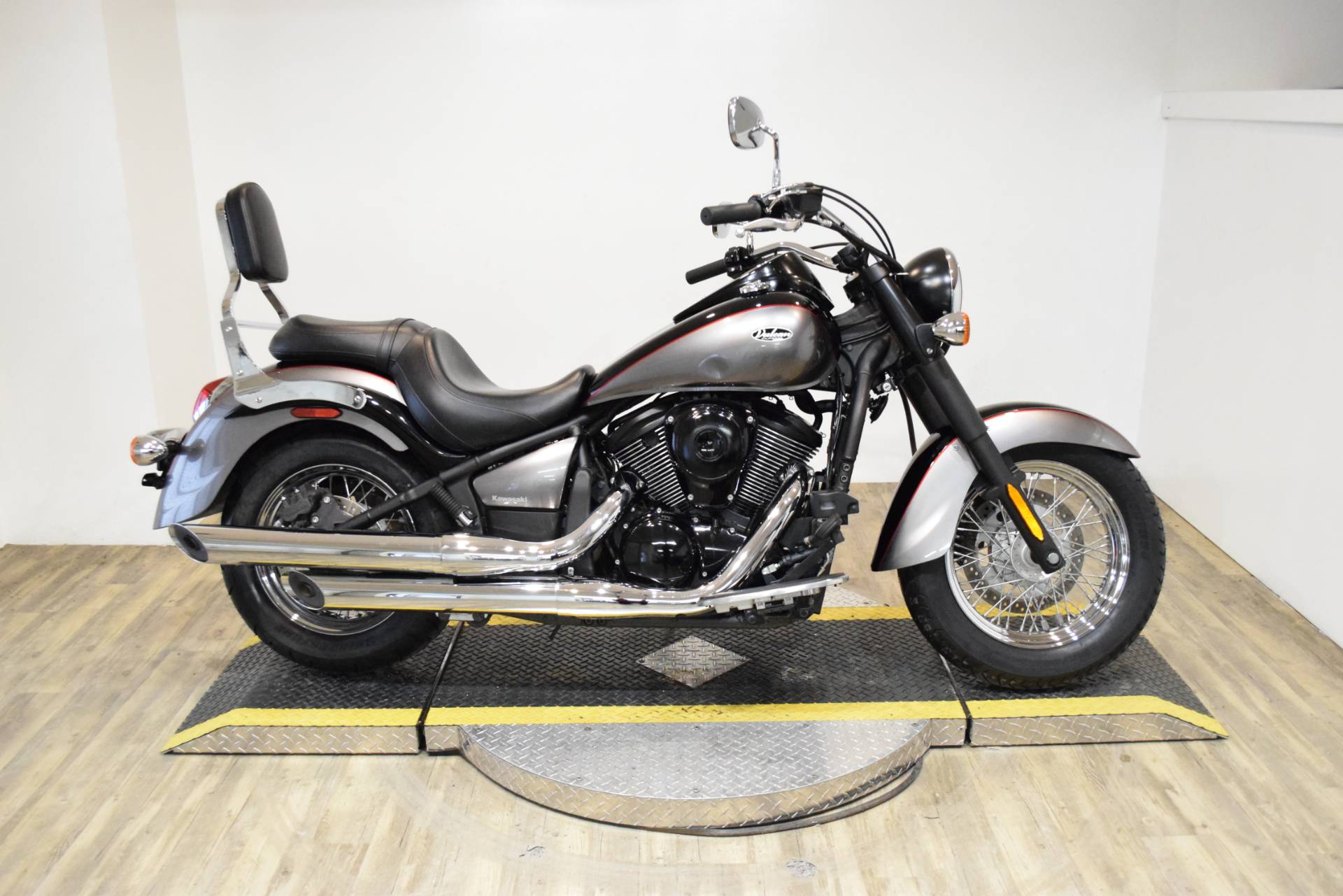 2014 Kawasaki Vulcan® 900 Classic in Wauconda, Illinois - Photo 1