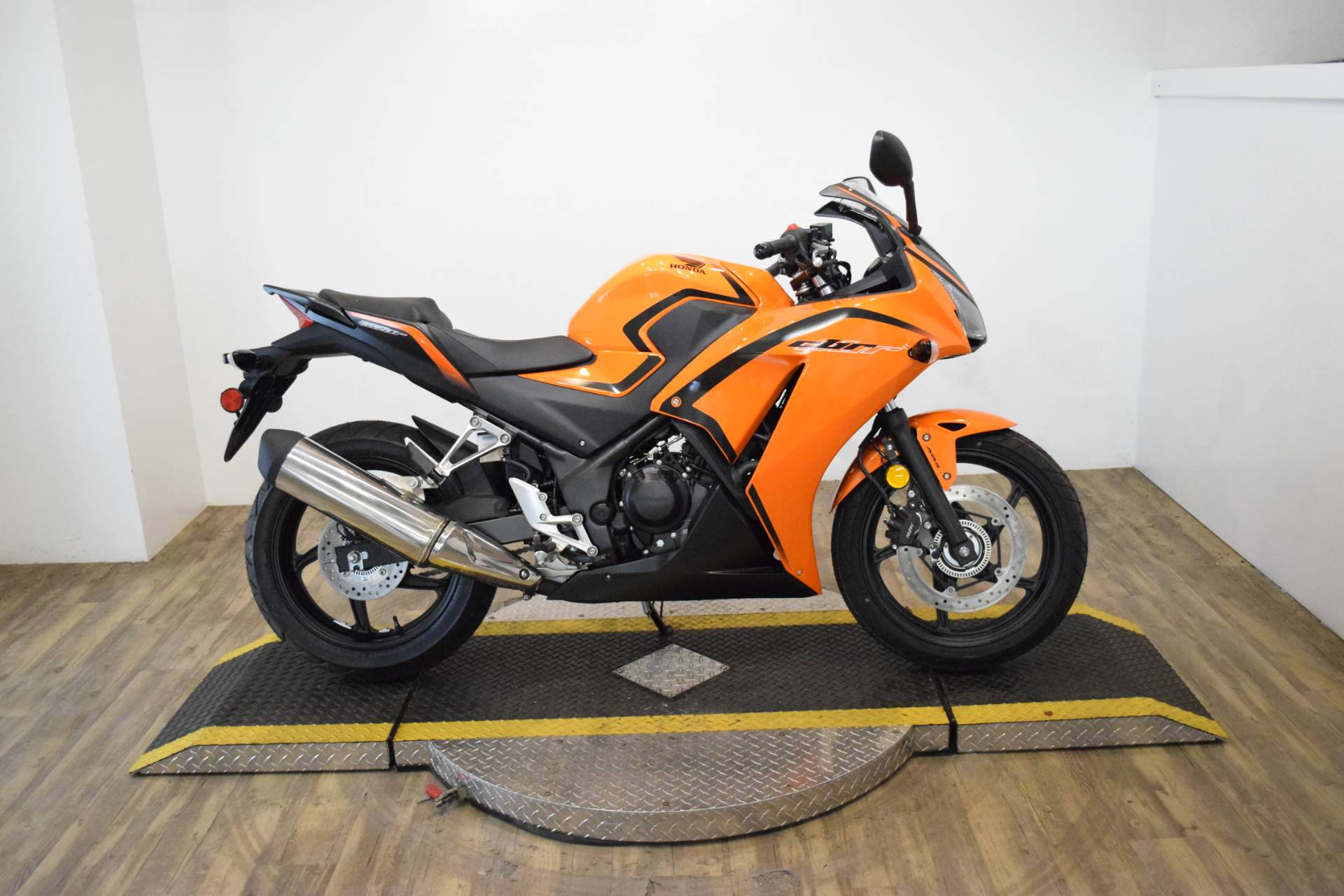2016 Honda CBR300R in Wauconda, Illinois - Photo 1