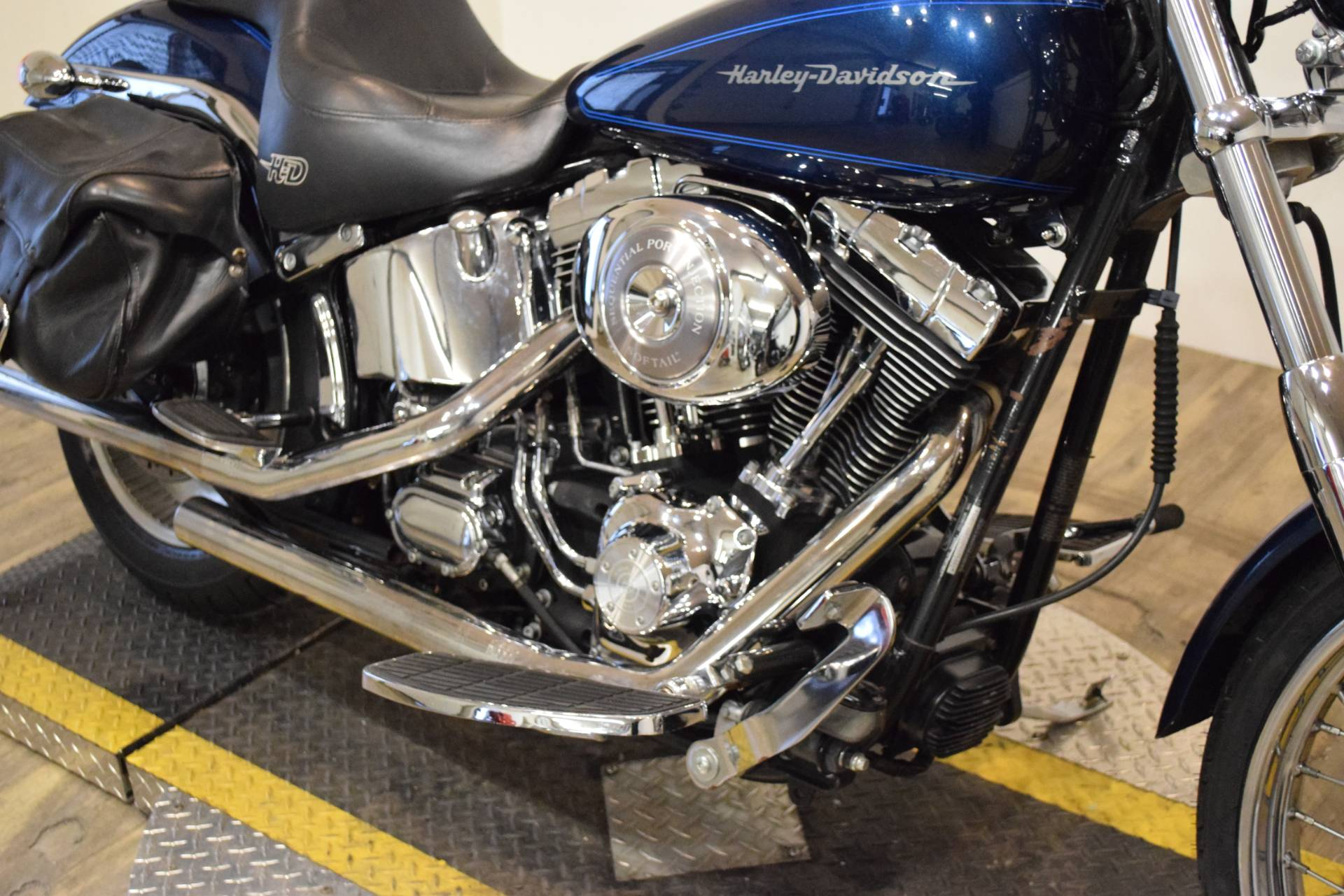 2002 Harley-Davidson FXSTD/FXSTDI Softail®  Deuce™ in Wauconda, Illinois - Photo 4