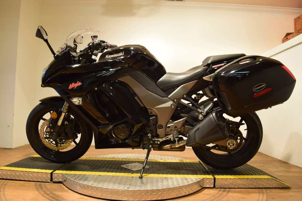 2011 Kawasaki Ninja® 1000 in Wauconda, Illinois