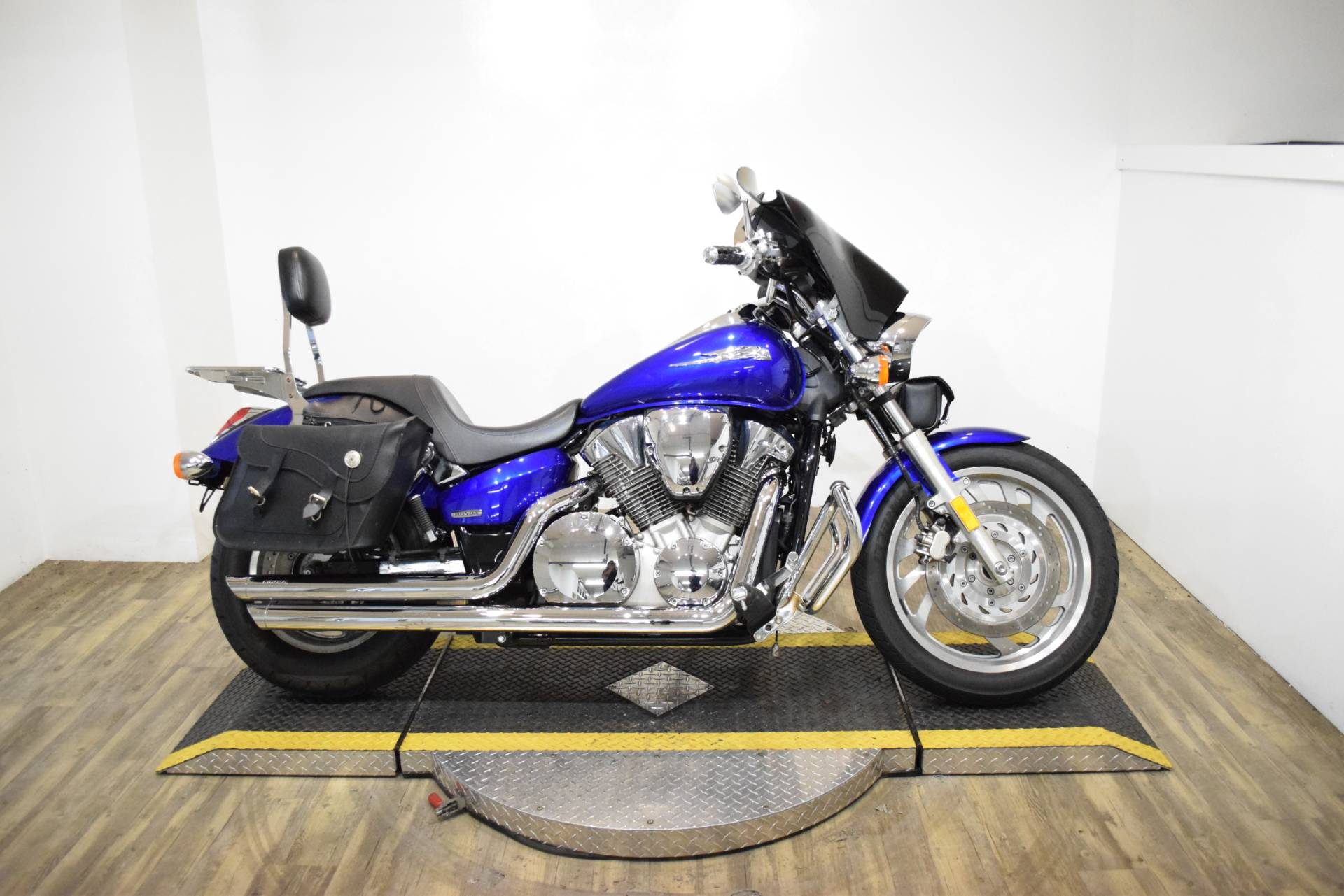 2005 Honda VTX™ 1300C in Wauconda, Illinois - Photo 1