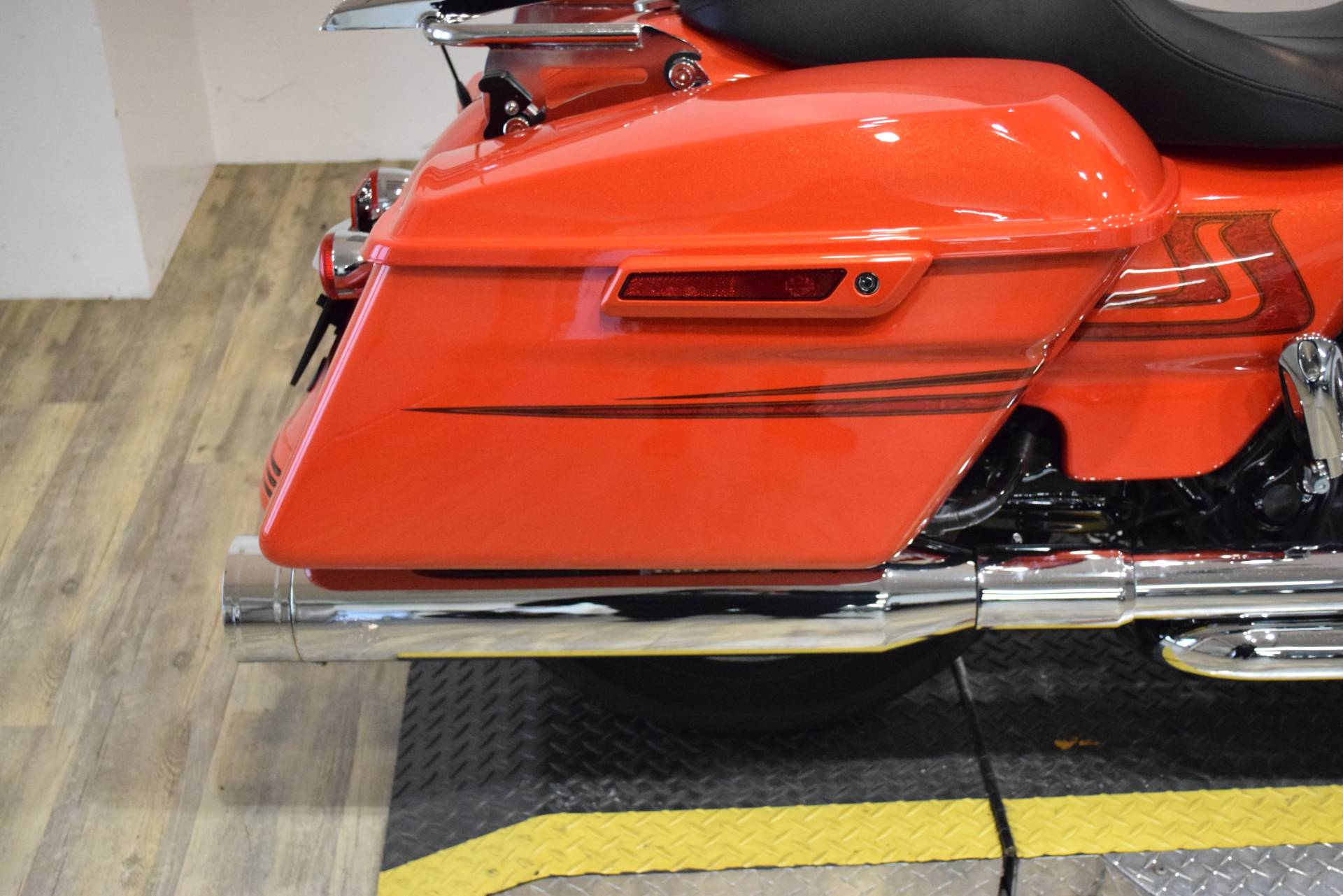 2017 Harley-Davidson Street Glide® Special in Wauconda, Illinois - Photo 8