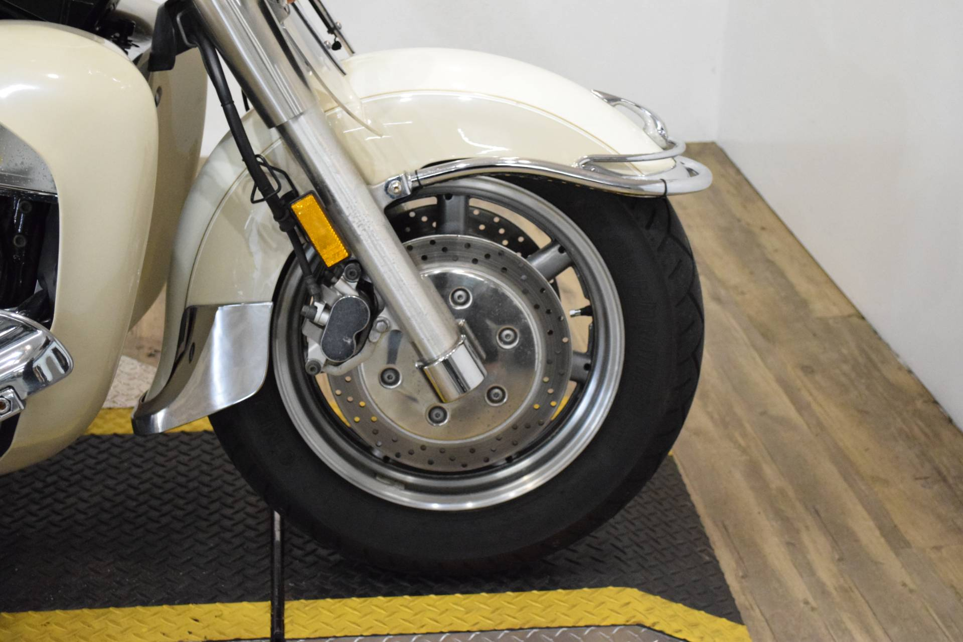 2000 Yamaha Royalstar Venture LTD in Wauconda, Illinois - Photo 2