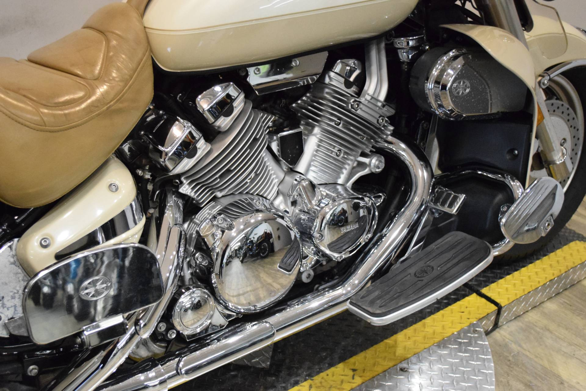 2000 Yamaha Royalstar Venture LTD in Wauconda, Illinois - Photo 7