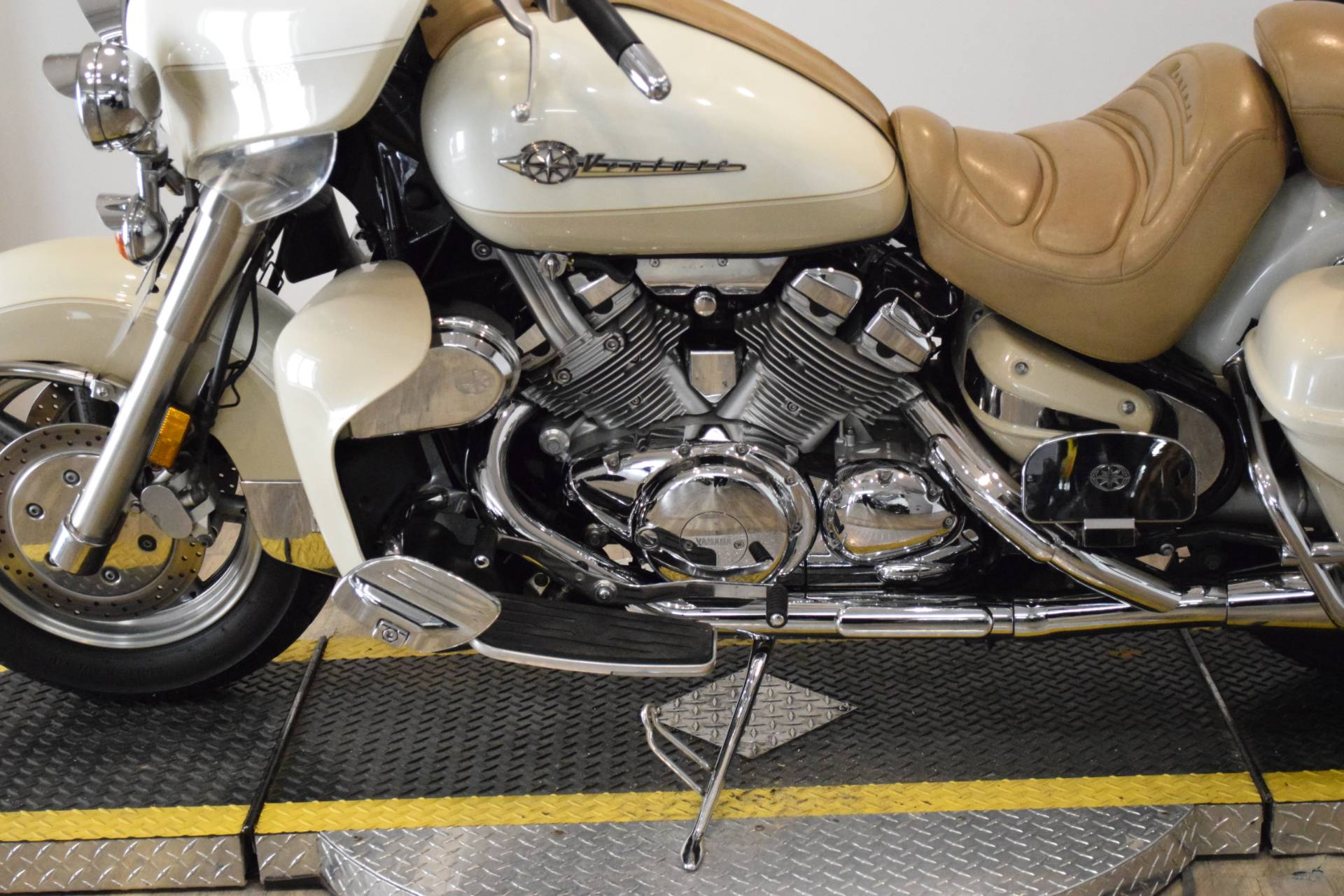 2000 Yamaha Royalstar Venture LTD in Wauconda, Illinois - Photo 20