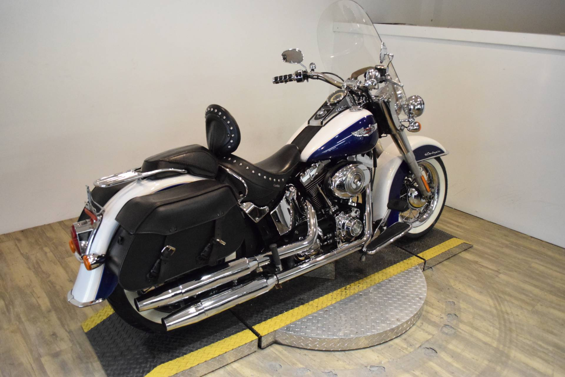 2007 Harley-Davidson Softail® Deluxe in Wauconda, Illinois - Photo 9