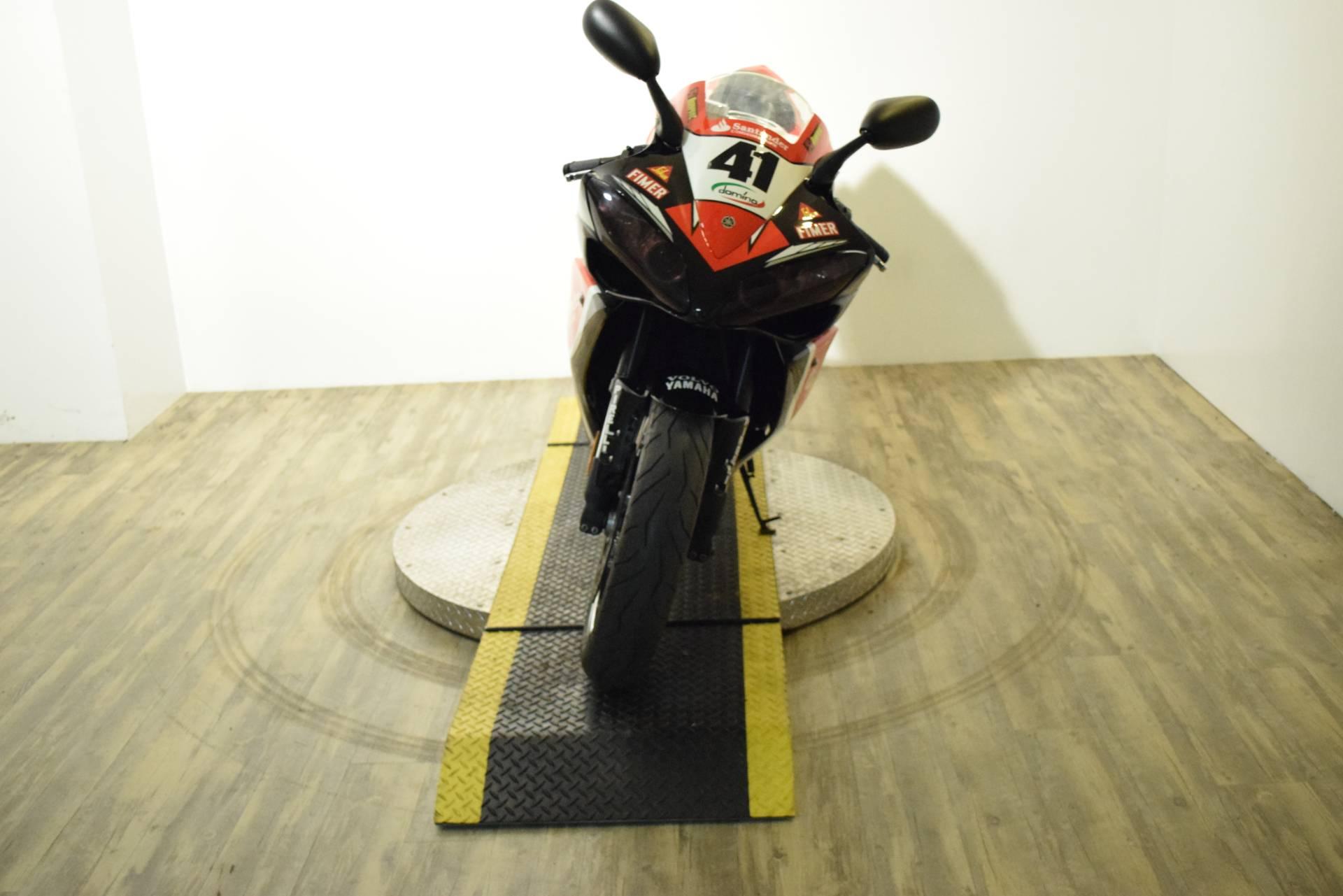 2007 Yamaha YZF-R1 10
