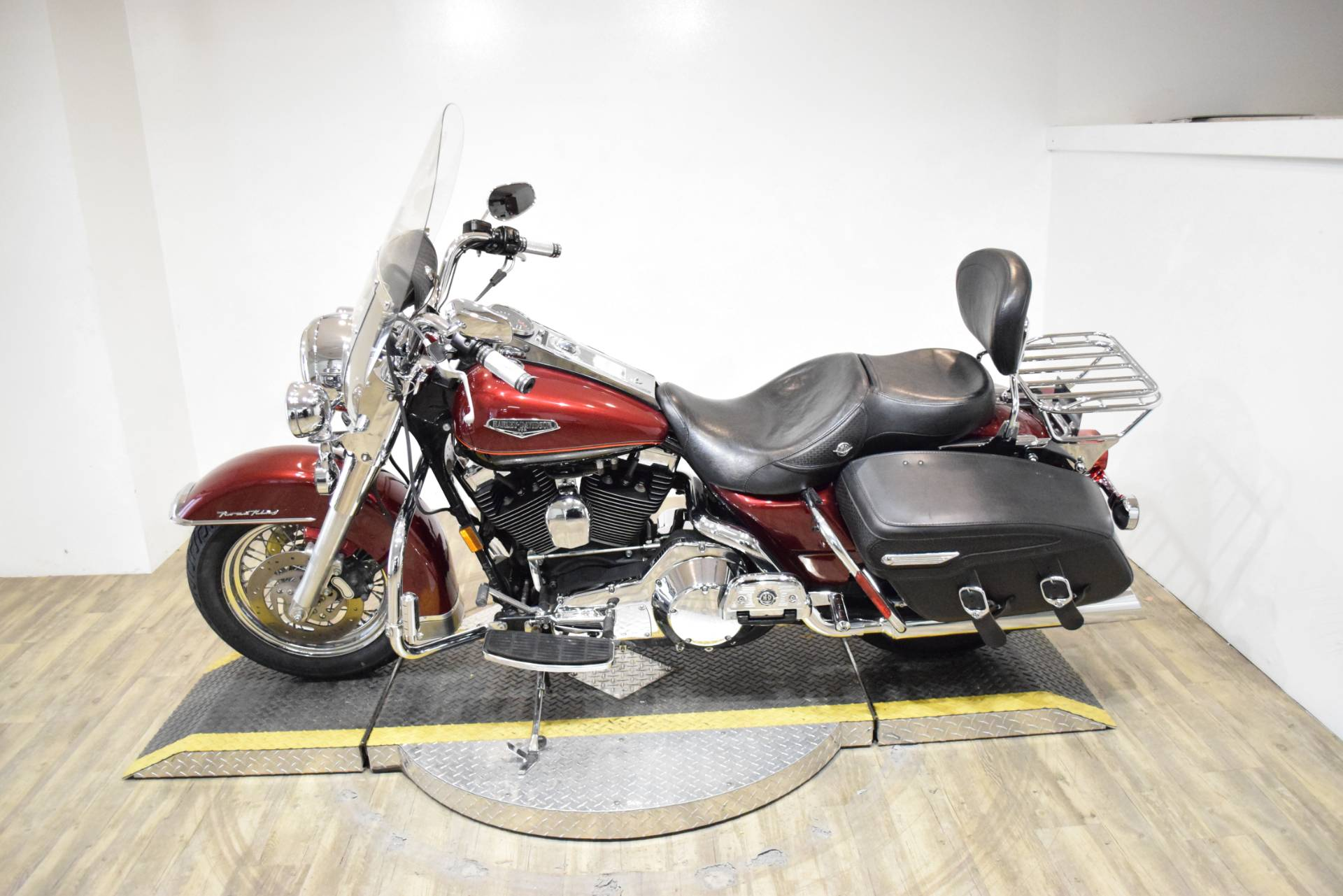 2001 Harley-Davidson Roadking in Wauconda, Illinois - Photo 15