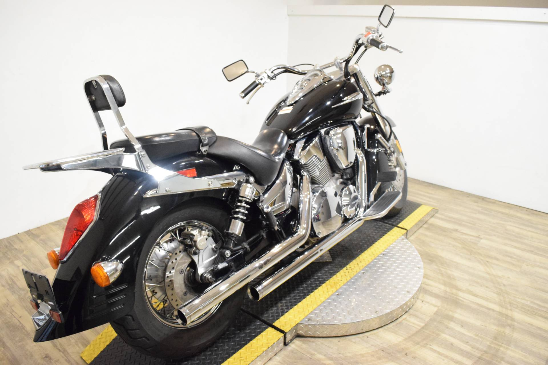 2004 Honda VTX1300S in Wauconda, Illinois - Photo 12