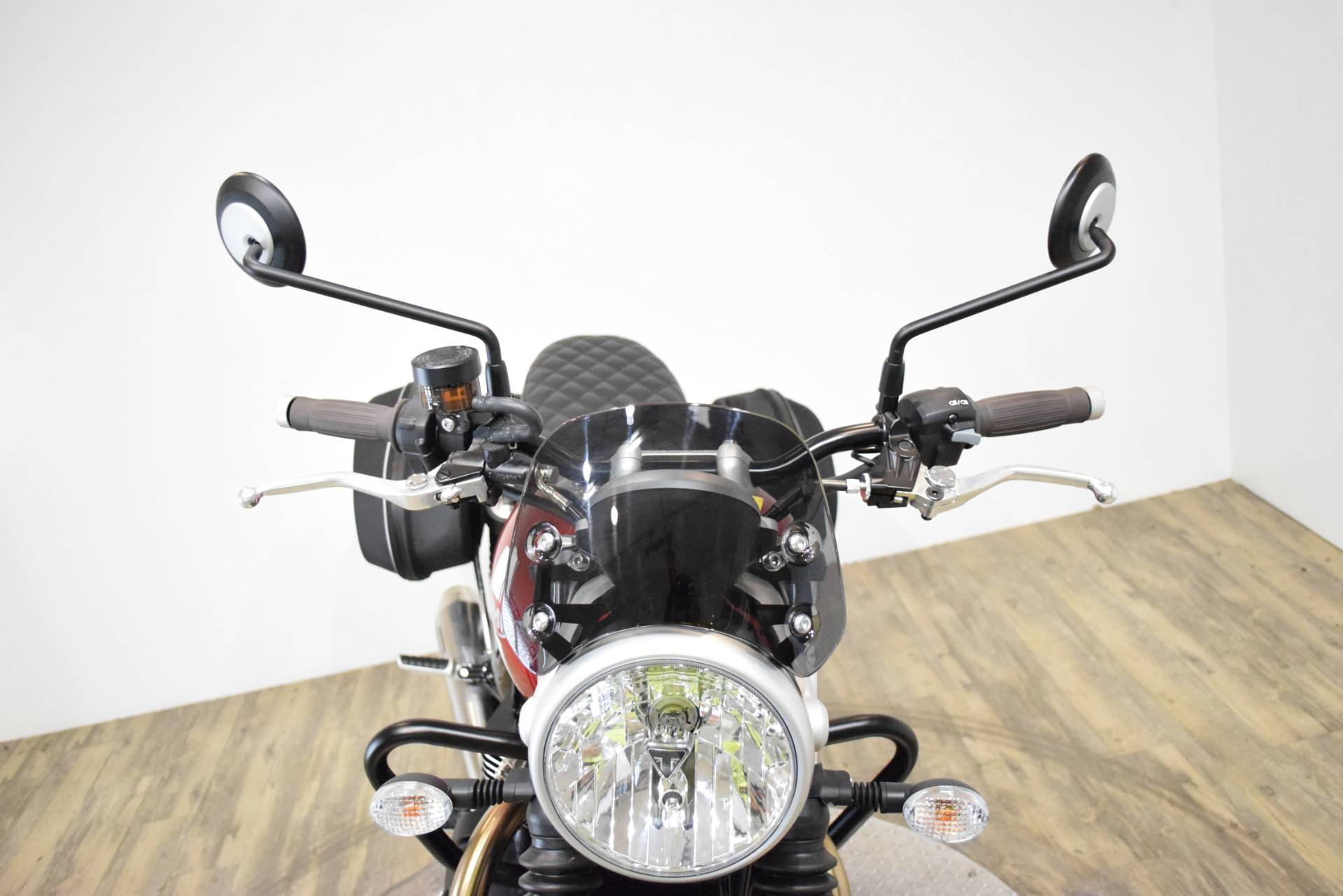 2018 Triumph Street Twin in Wauconda, Illinois - Photo 13