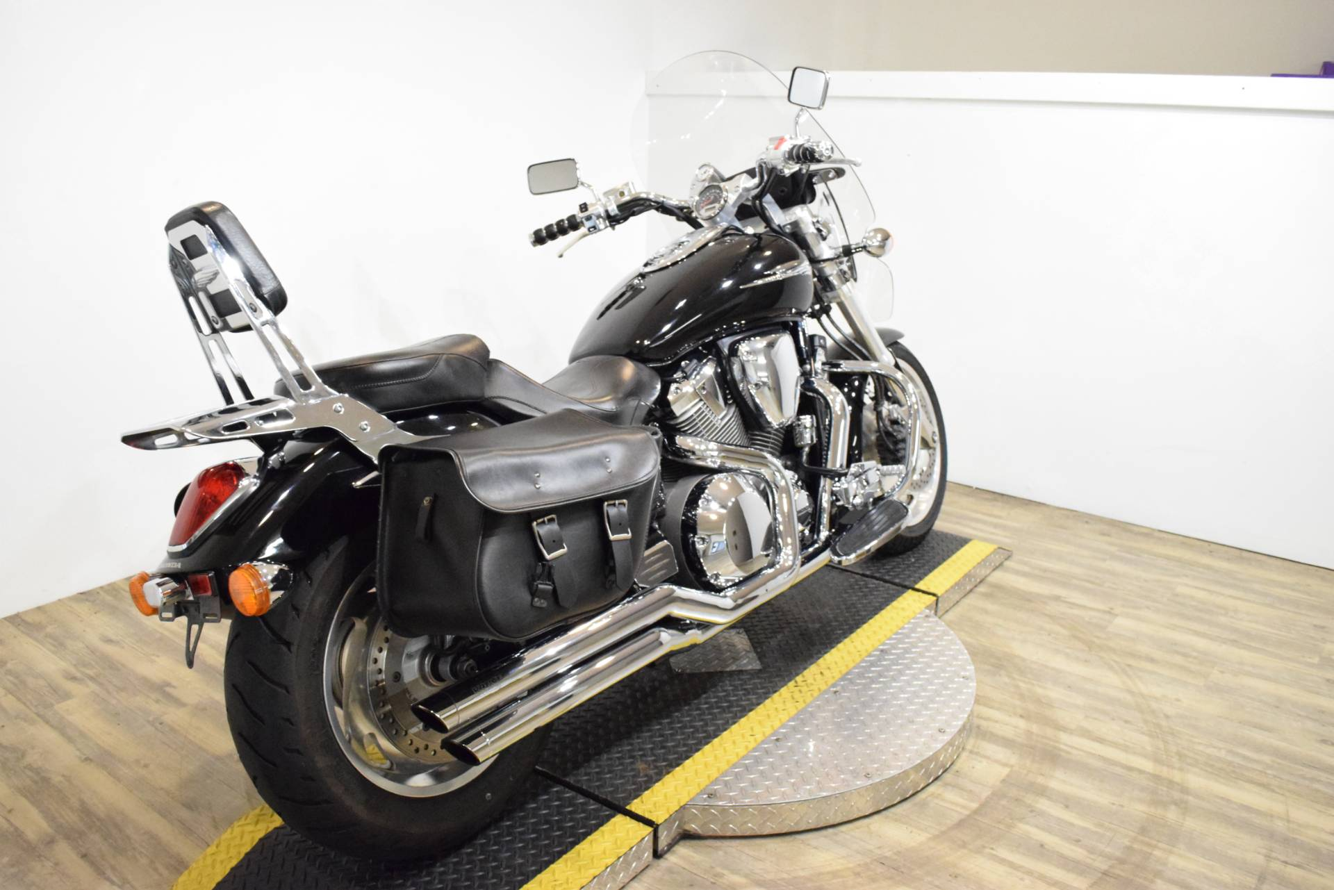 2002 Honda VTX1800C in Wauconda, Illinois