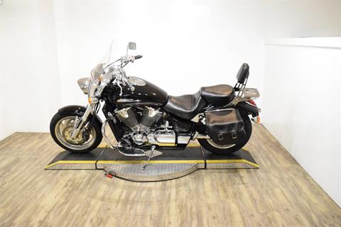 2002 Honda VTX1800C in Wauconda, Illinois - Photo 15