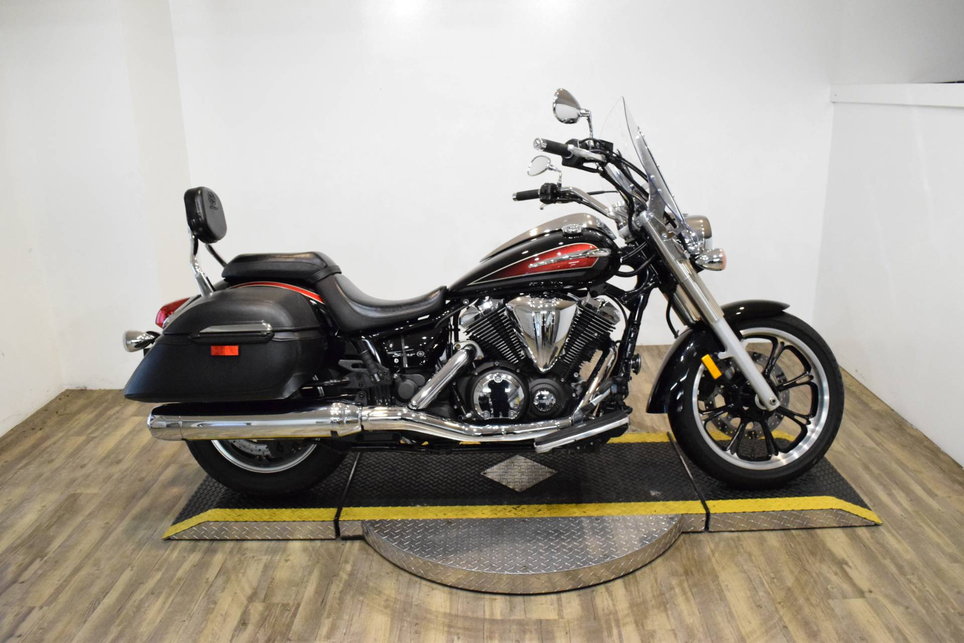 2014 Yamaha V Star 950 Tourer in Wauconda, Illinois - Photo 1