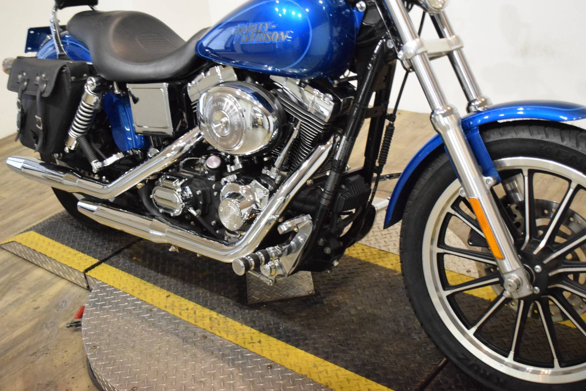 2005 Harley-Davidson FXDL/FXDLI Dyna Low Rider® in Wauconda, Illinois - Photo 4