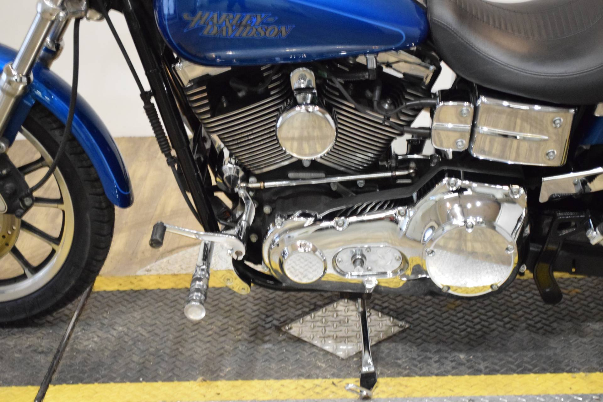 2005 Harley-Davidson FXDL/FXDLI Dyna Low Rider® in Wauconda, Illinois - Photo 18