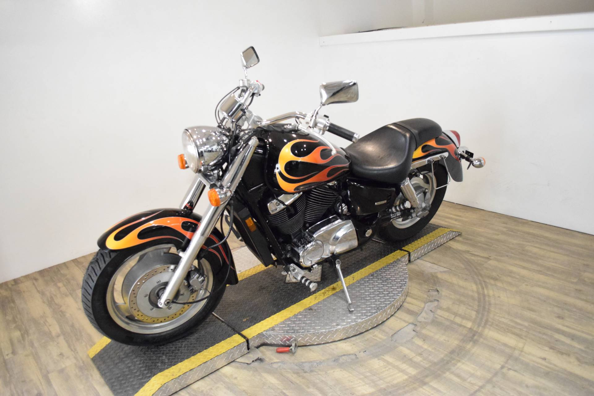 2007 Honda Shadow Sabre™ in Wauconda, Illinois - Photo 22