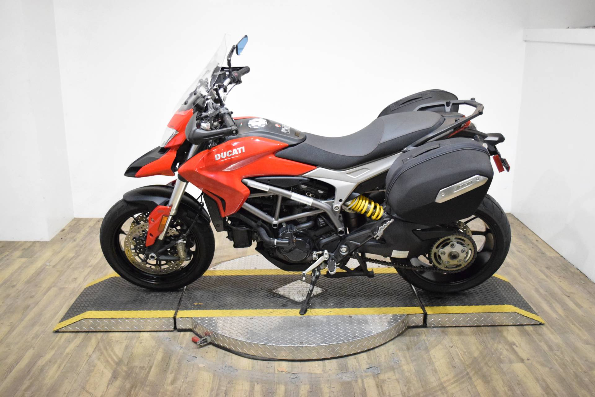 2015 Ducati Hyperstrada in Wauconda, Illinois - Photo 15