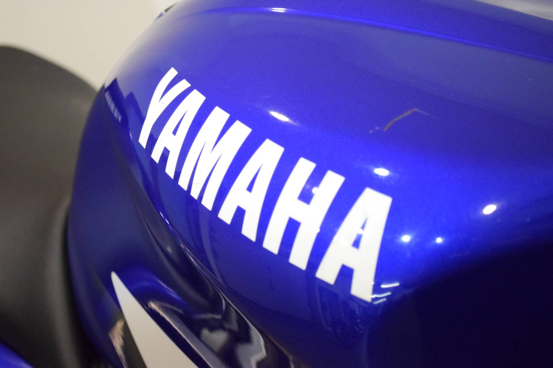 2000 Yamaha YZFR6 5