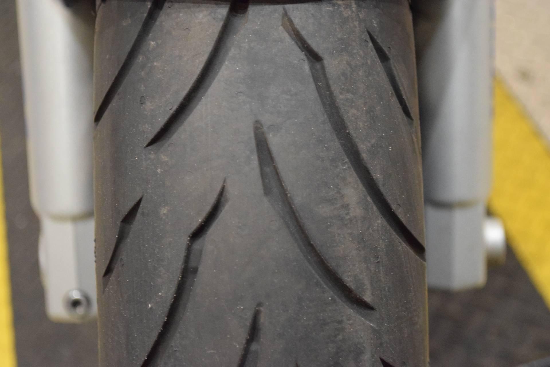 2000 Yamaha YZFR6 12