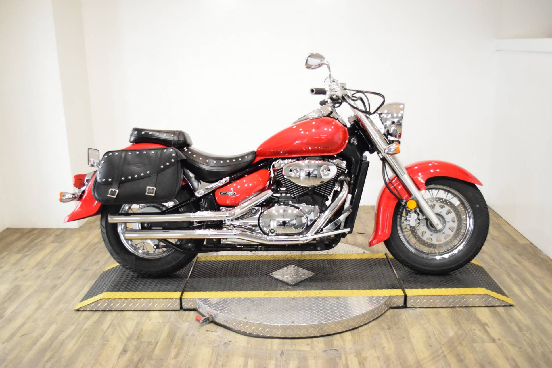 2005 Suzuki Boulevard C50 Limited in Wauconda, Illinois - Photo 1