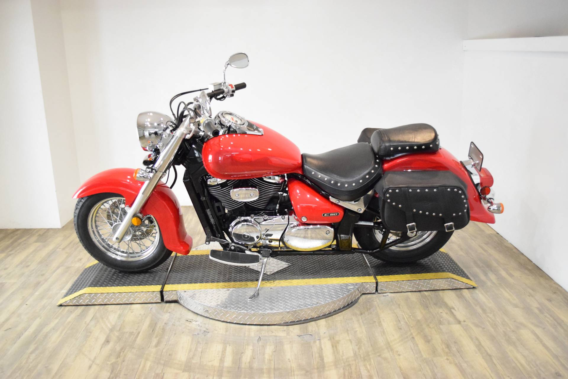 2005 Suzuki Boulevard C50 Limited in Wauconda, Illinois - Photo 16