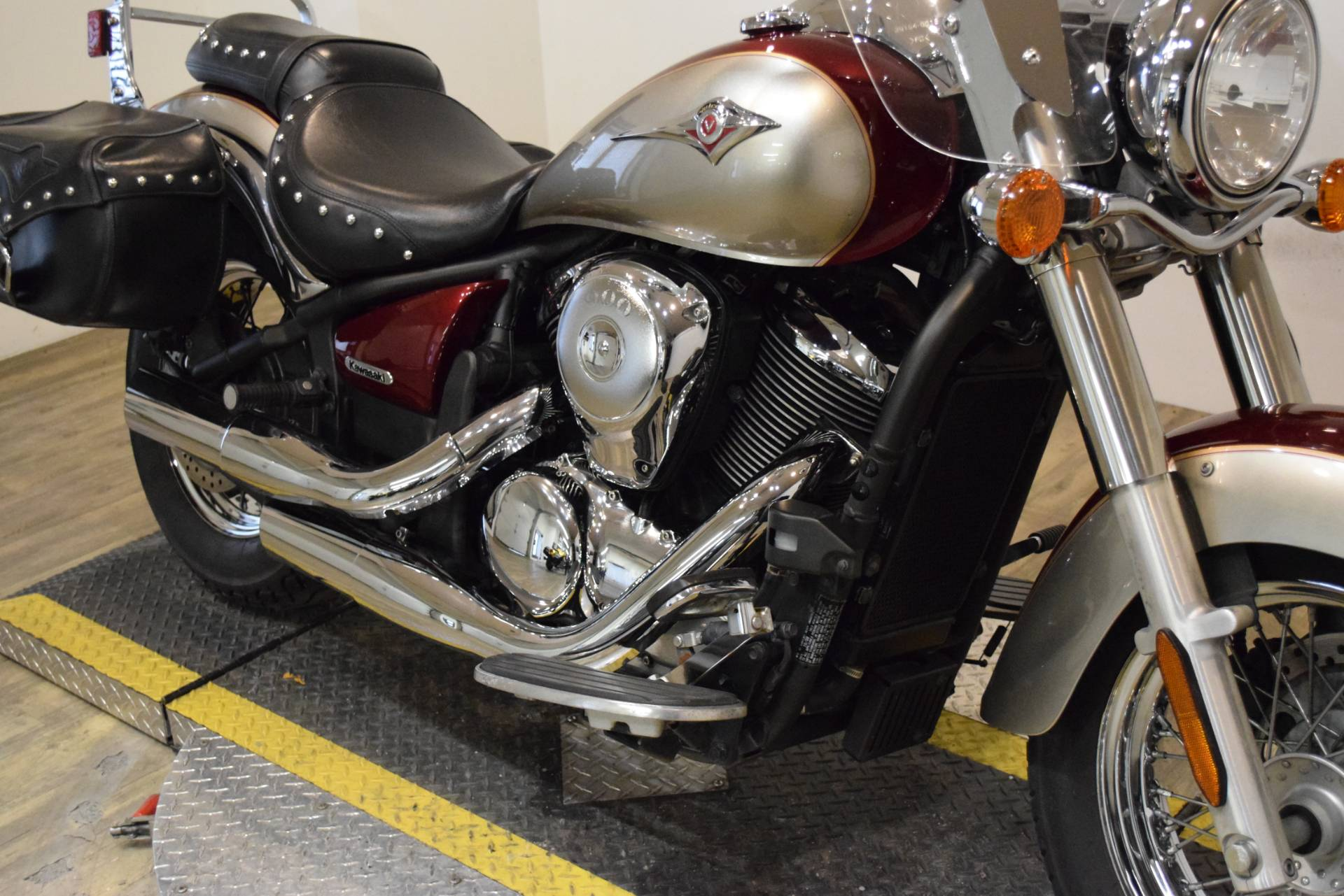 2009 Kawasaki Vulcan® 900 Classic LT in Wauconda, Illinois - Photo 4