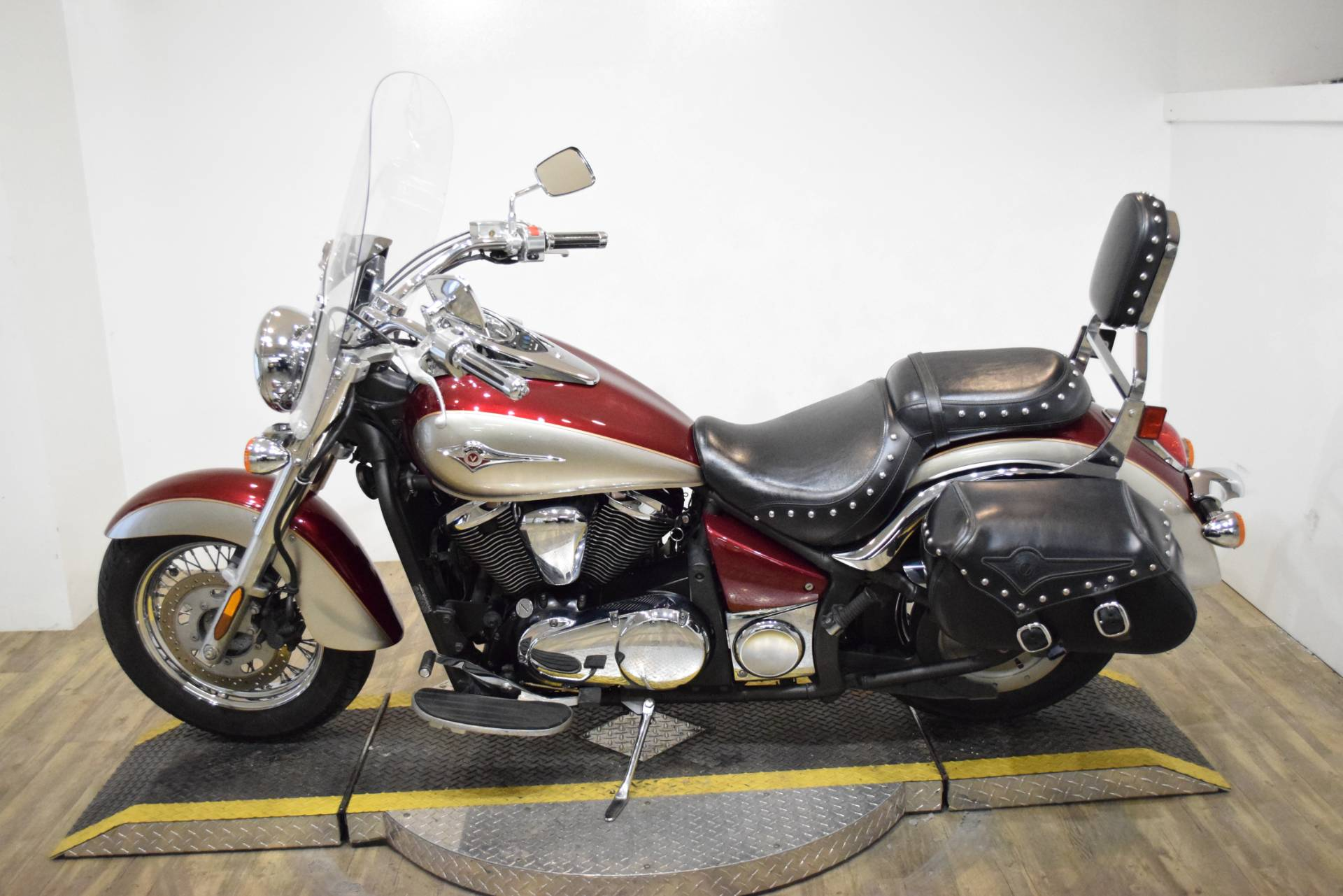 2009 Kawasaki Vulcan® 900 Classic LT in Wauconda, Illinois - Photo 15