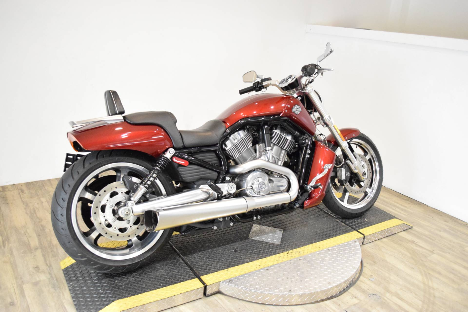 2009 Harley-Davidson V-Rod® Muscle™ in Wauconda, Illinois - Photo 10