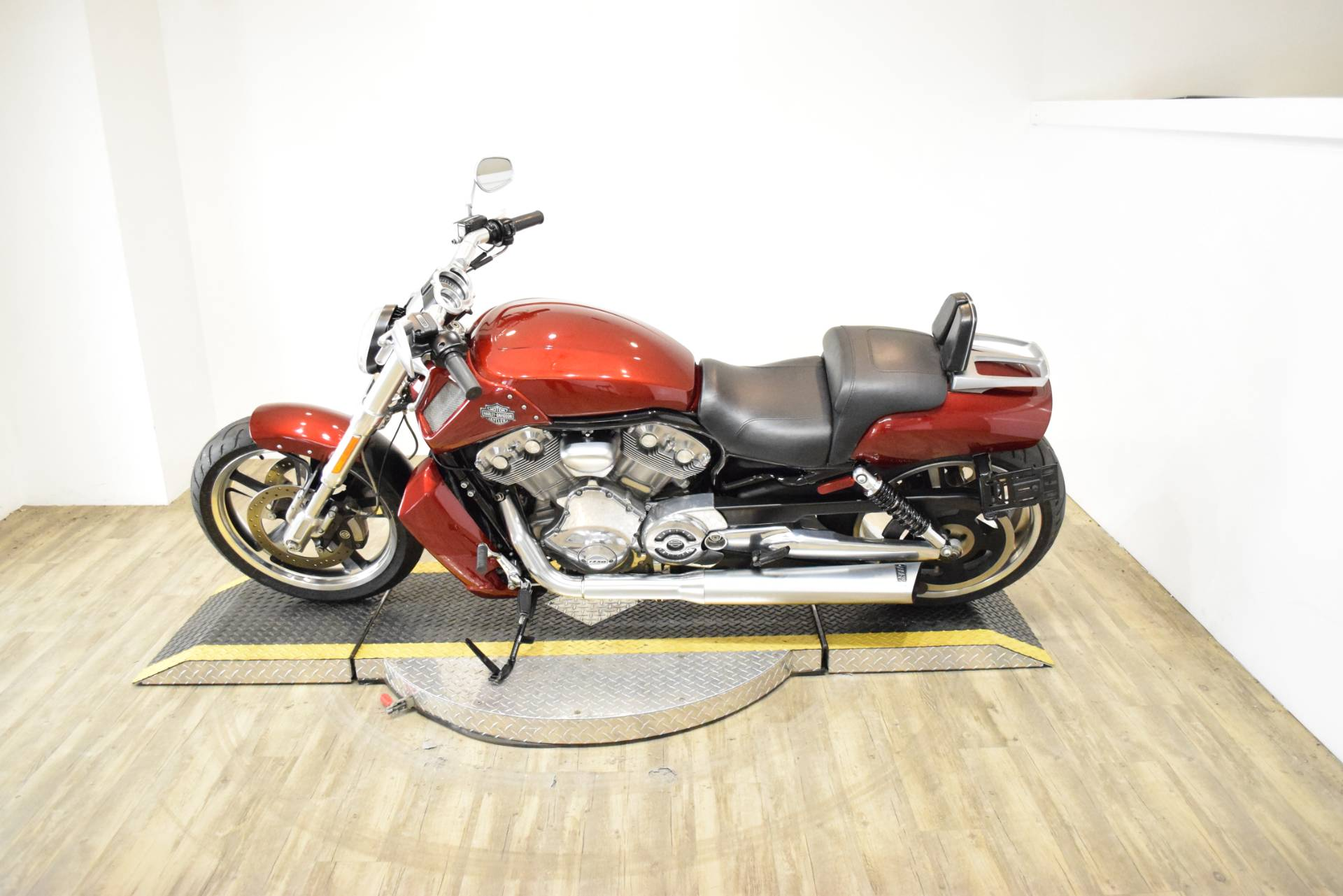 2009 Harley-Davidson V-Rod® Muscle™ in Wauconda, Illinois - Photo 16