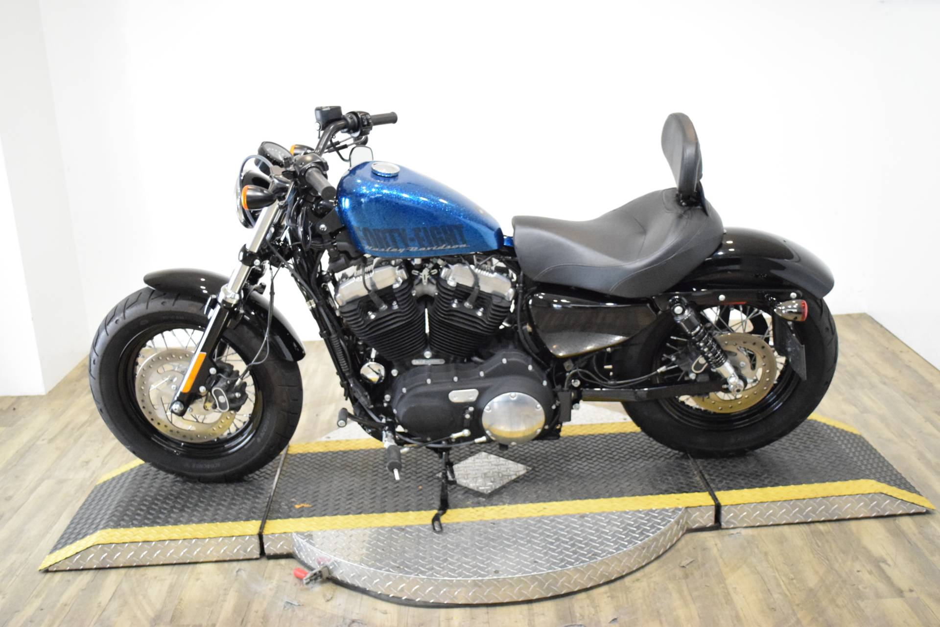 2015 Harley-Davidson Forty-Eight® in Wauconda, Illinois - Photo 16