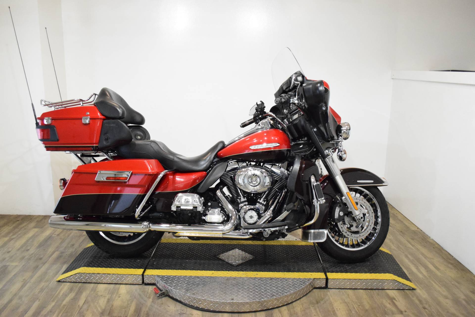 2011 Harley-Davidson Electra Glide® Ultra Limited in Wauconda, Illinois - Photo 1