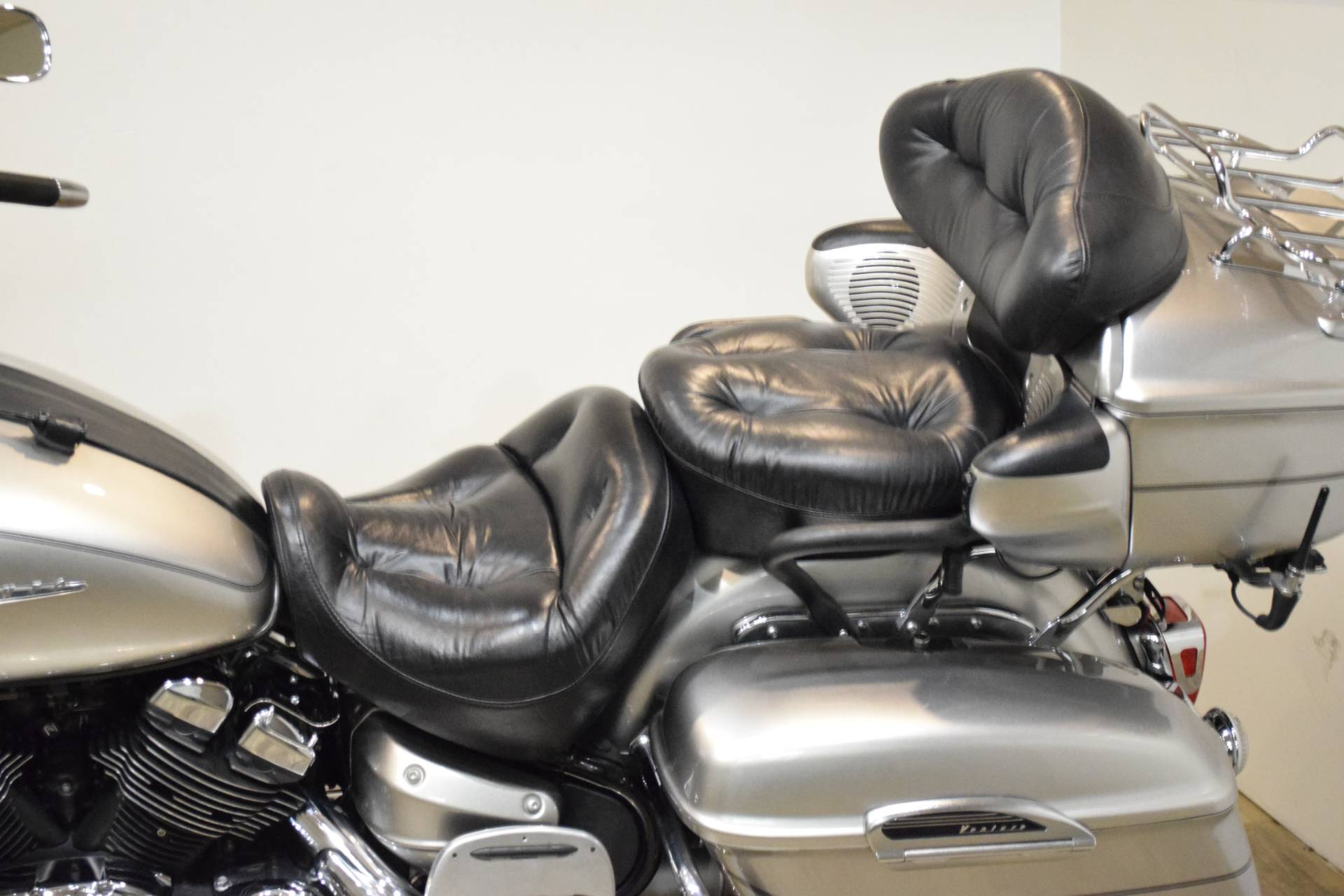 2005 Yamaha Royal Star® Venture in Wauconda, Illinois - Photo 17