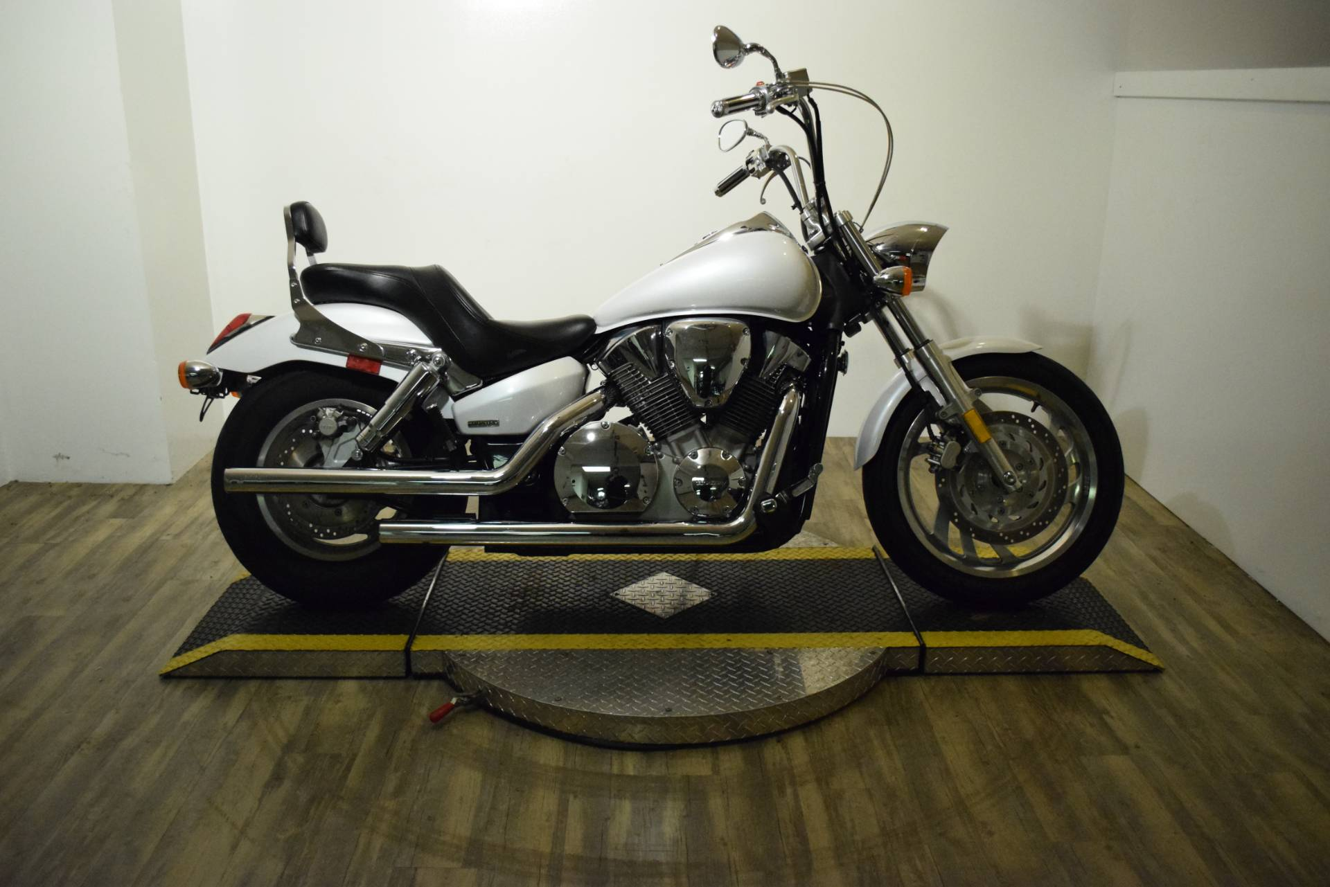 2007 Honda VTX 1300 in Wauconda, Illinois