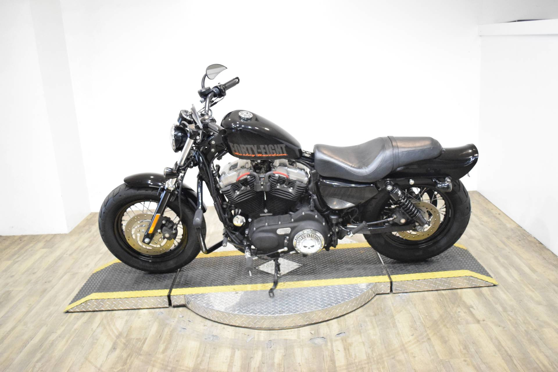 2013 Harley-Davidson Sportster® Forty-Eight® in Wauconda, Illinois - Photo 14