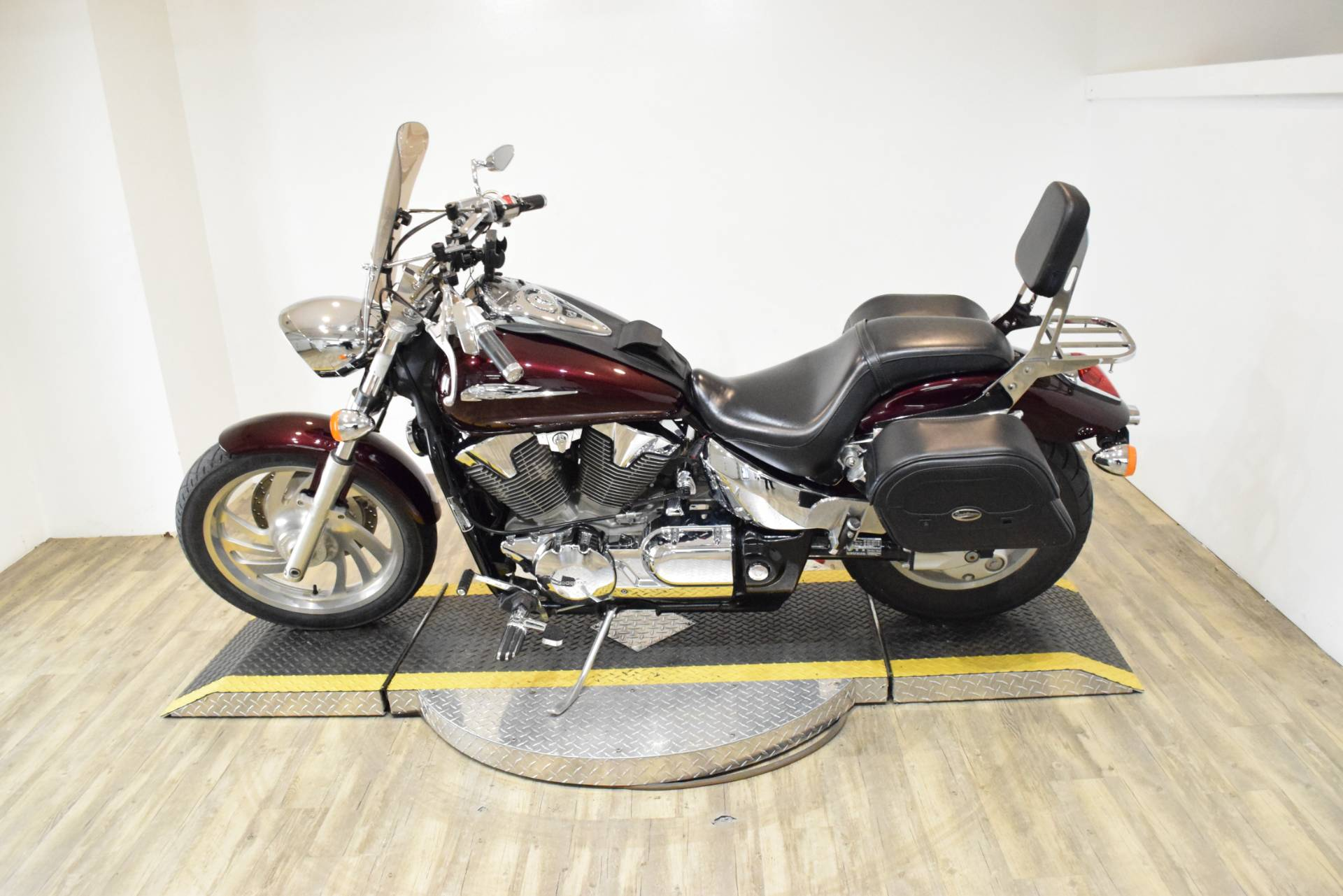 2007 Honda VTX™1300C in Wauconda, Illinois - Photo 17