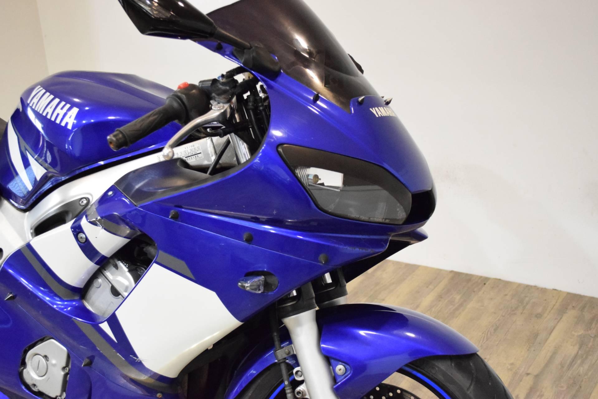 2001 Yamaha YZF-R6 3