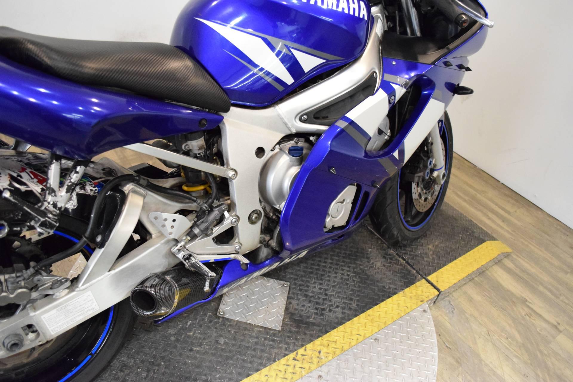 2001 Yamaha YZF-R6 6