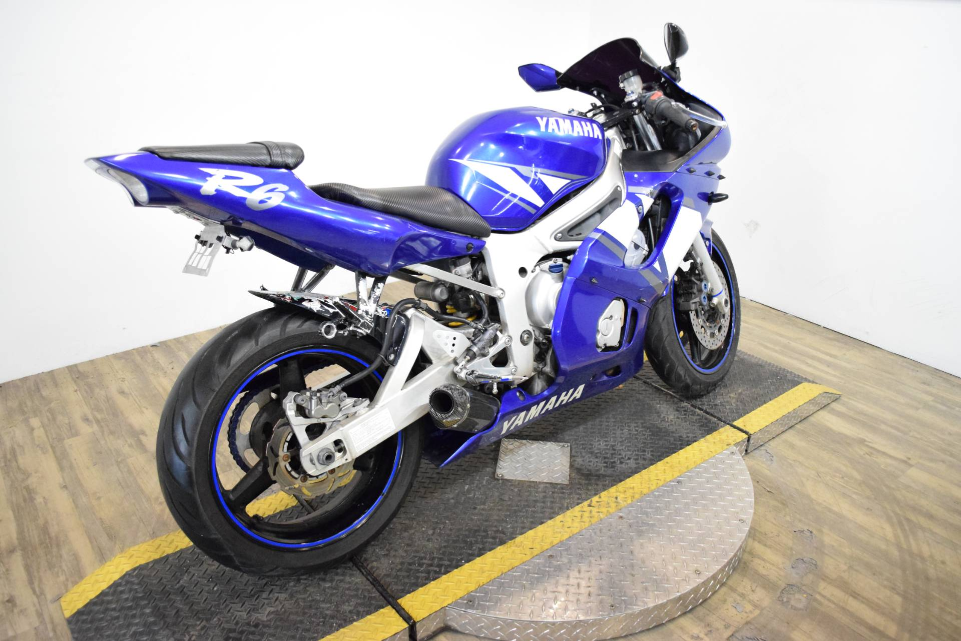 2001 Yamaha YZF-R6 9