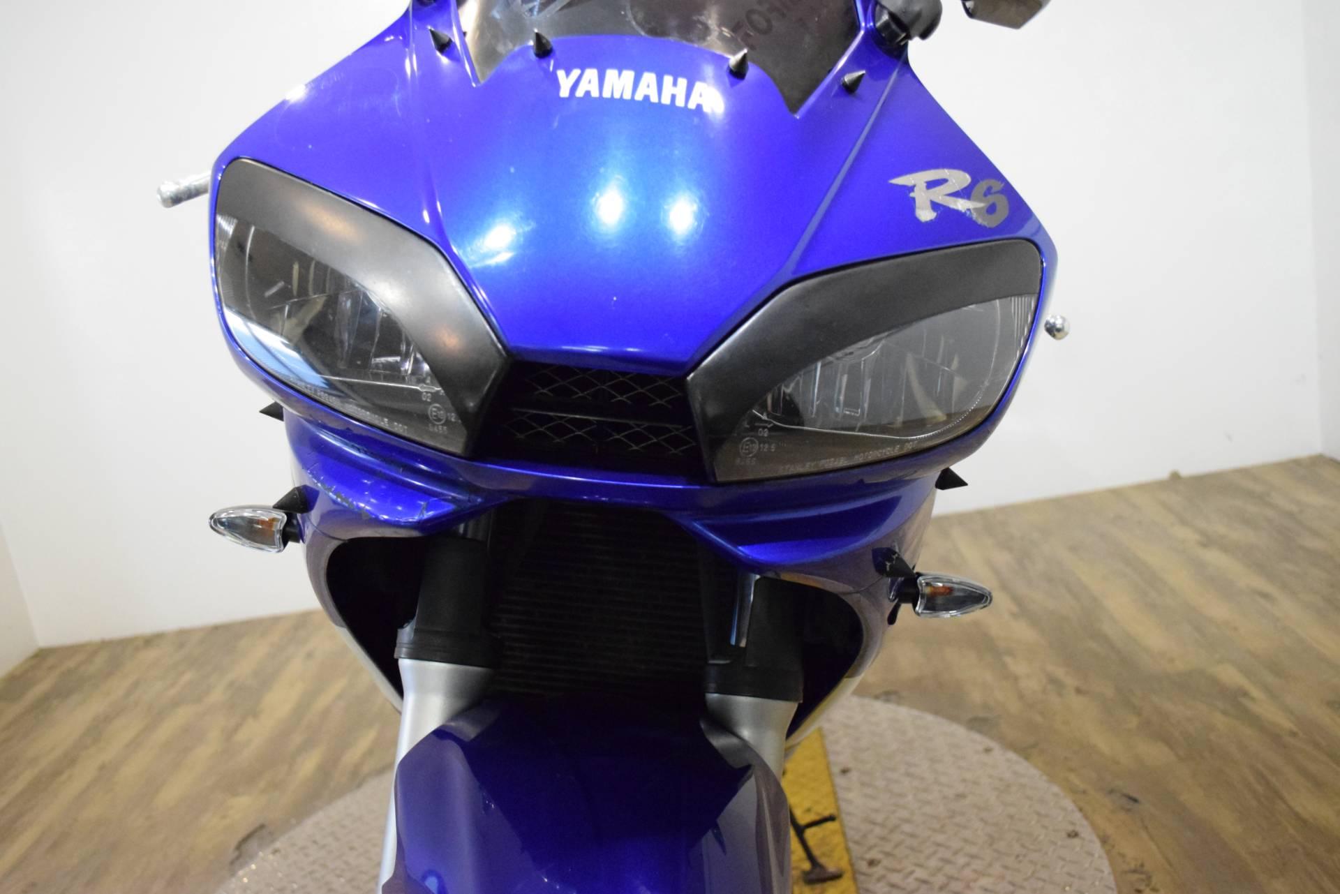 2001 Yamaha YZF-R6 12