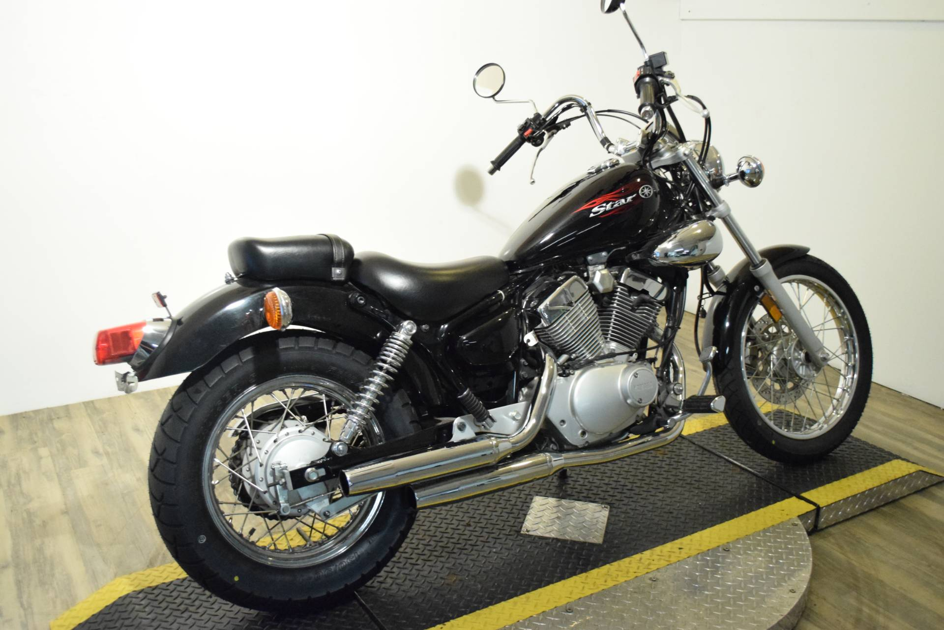 2010 Yamaha V Star 250 in Wauconda, Illinois