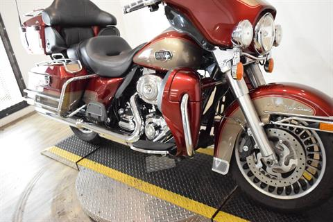 2009 Harley-Davidson Ultra Classic® Electra Glide® in Wauconda, Illinois - Photo 4
