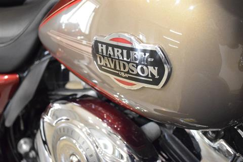 2009 Harley-Davidson Ultra Classic® Electra Glide® in Wauconda, Illinois - Photo 5