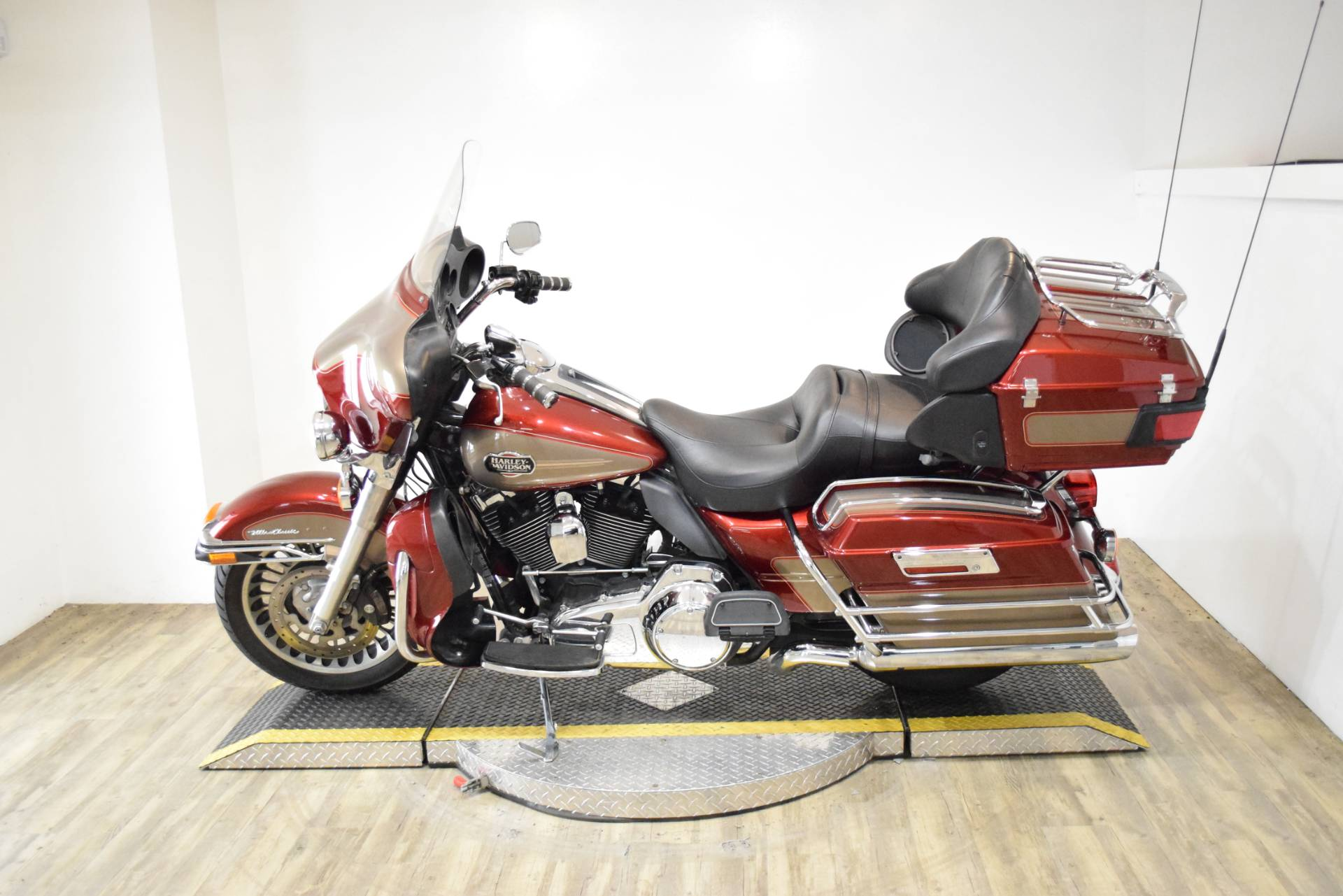 2009 Harley-Davidson Ultra Classic® Electra Glide® in Wauconda, Illinois - Photo 17