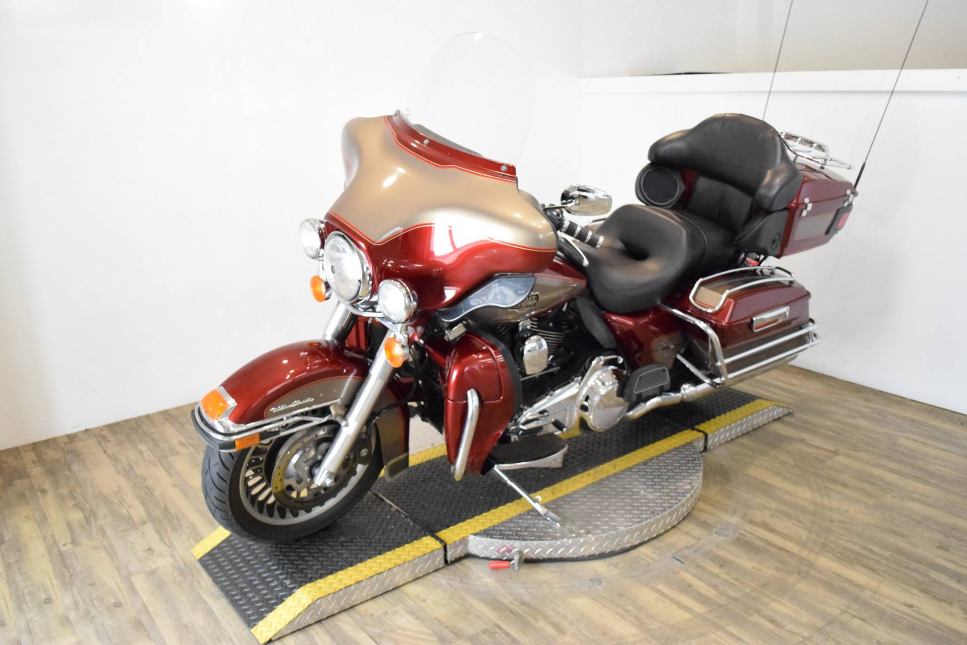 2009 Harley-Davidson Ultra Classic® Electra Glide® in Wauconda, Illinois - Photo 24