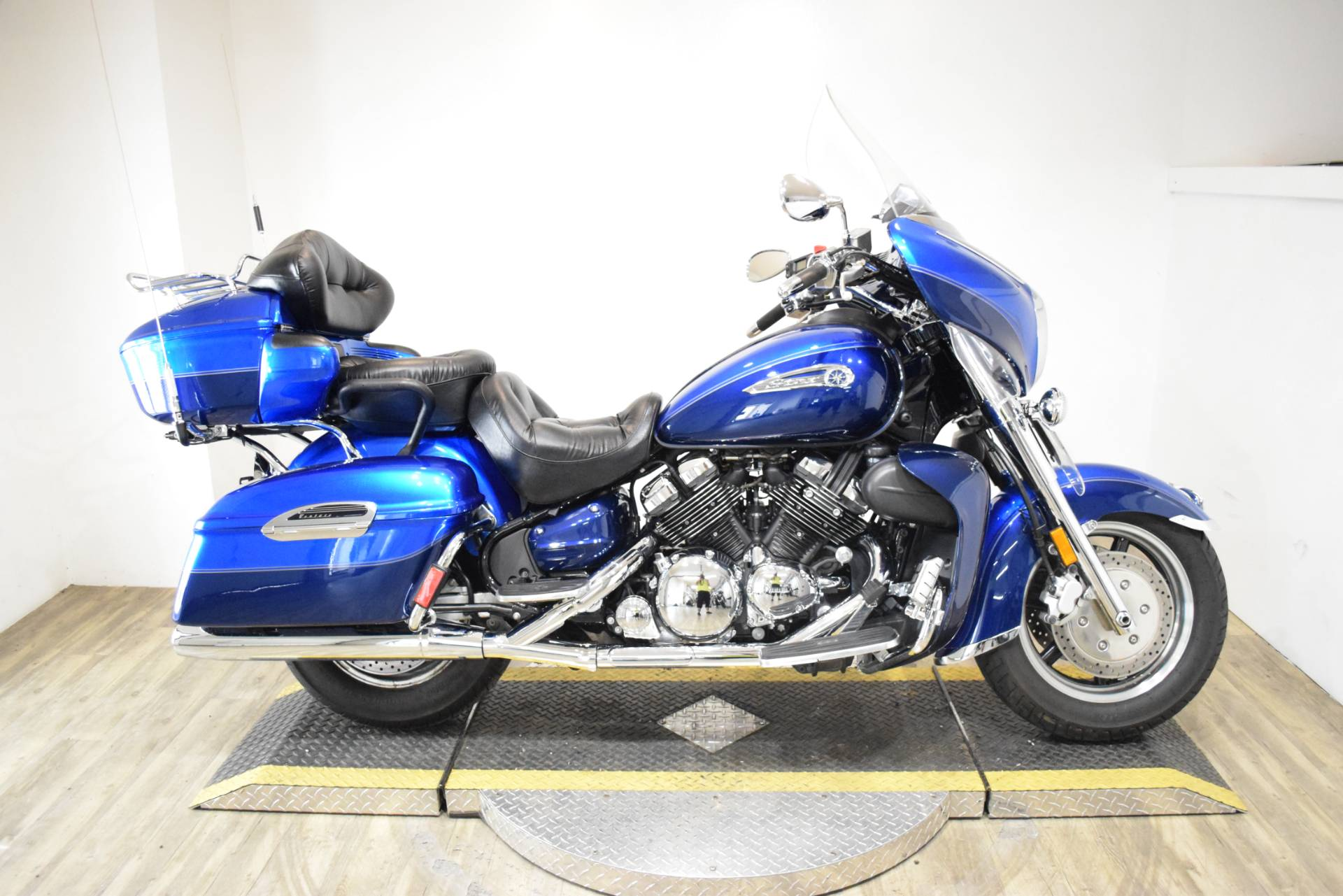 2011 Yamaha Royal Star Venture S in Wauconda, Illinois - Photo 1