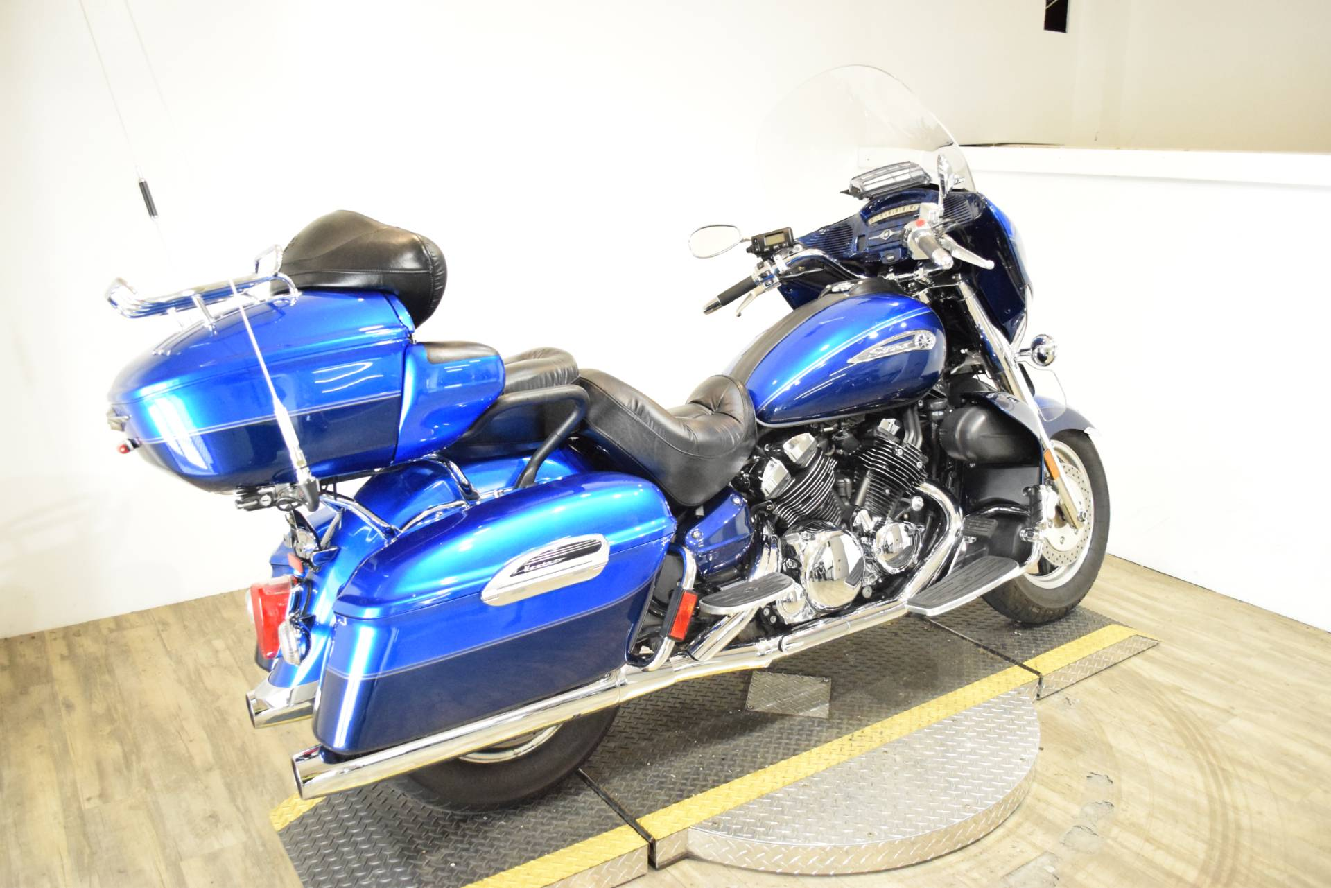 2011 Yamaha Royal Star Venture S in Wauconda, Illinois - Photo 9